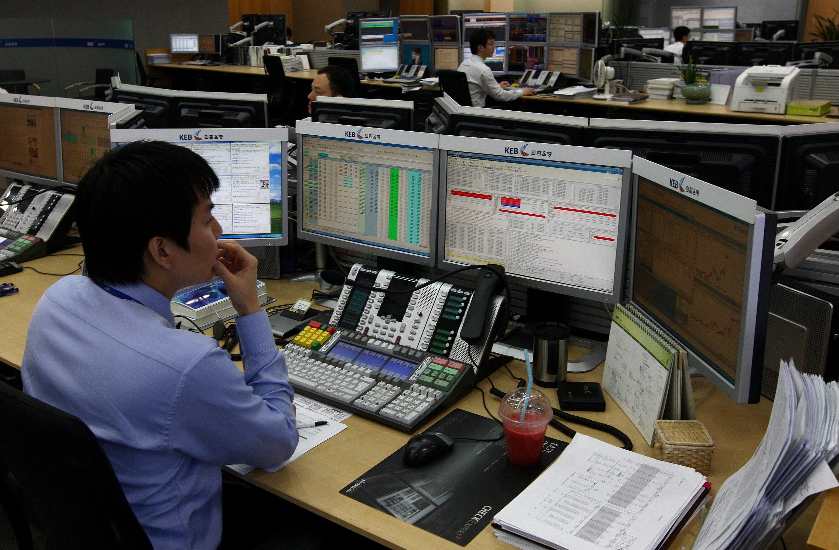 Bolsa de Tóquio abre em nítida perda