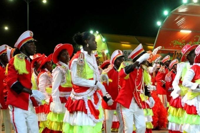 Carnaval na Marginal de Luanda