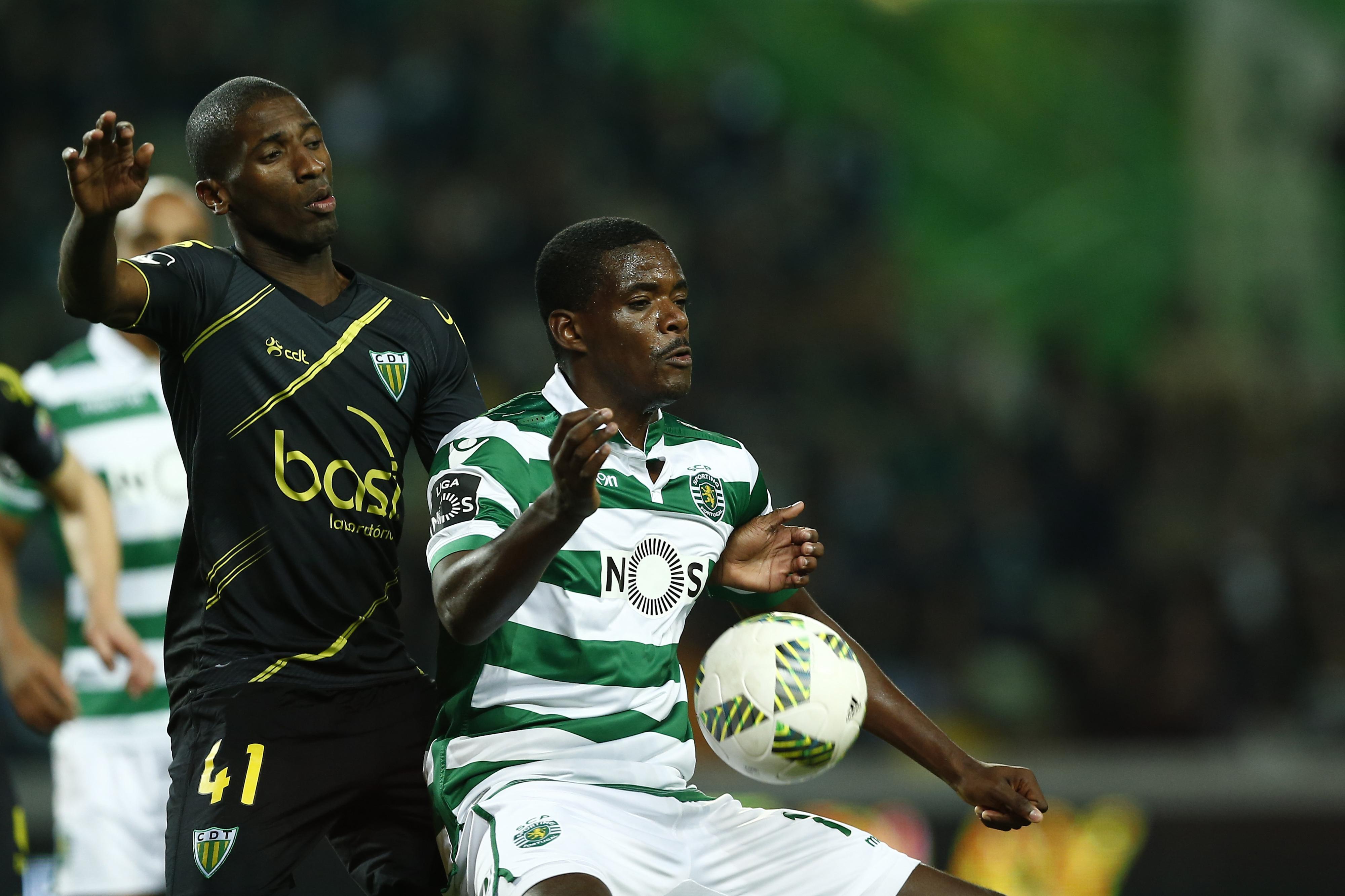 Sporting prorroga contrato com William Carvalho até 2020