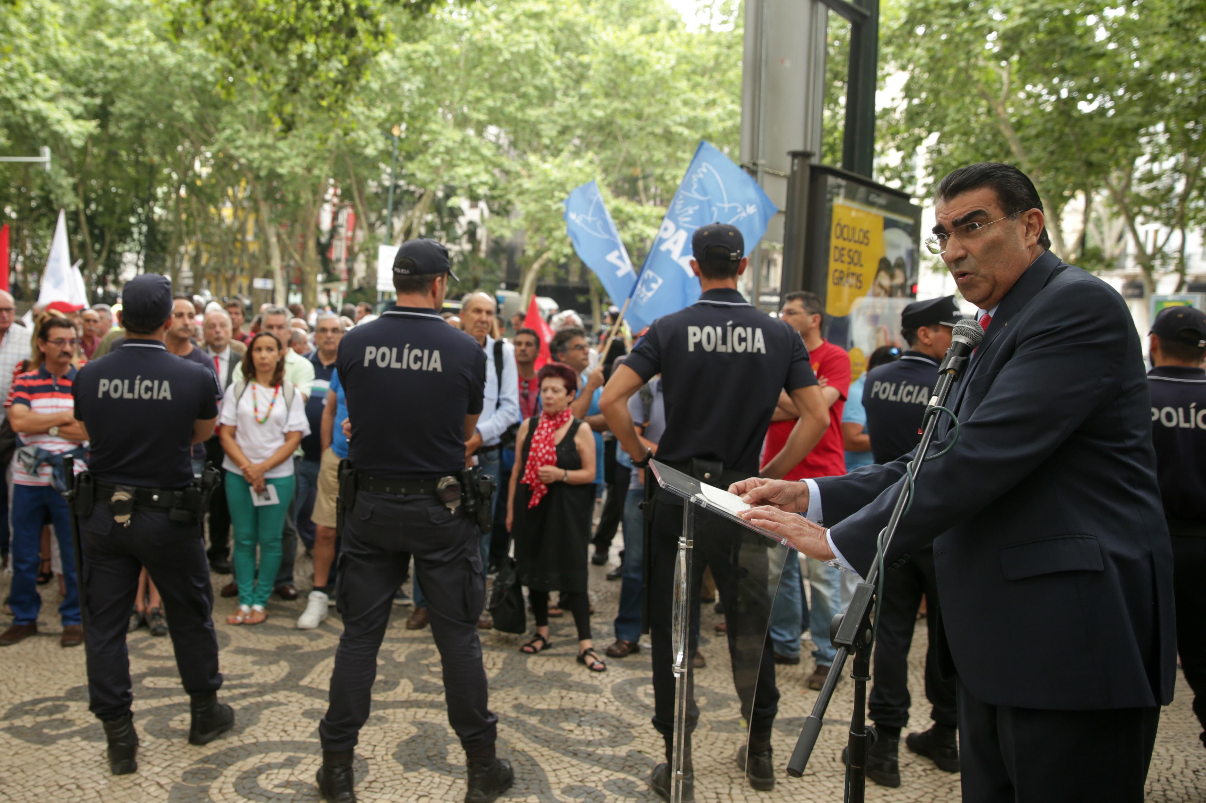"""Embaixador da Venezuela em Portugal diz que """"Guaidó não é nenhum presidente"""""""