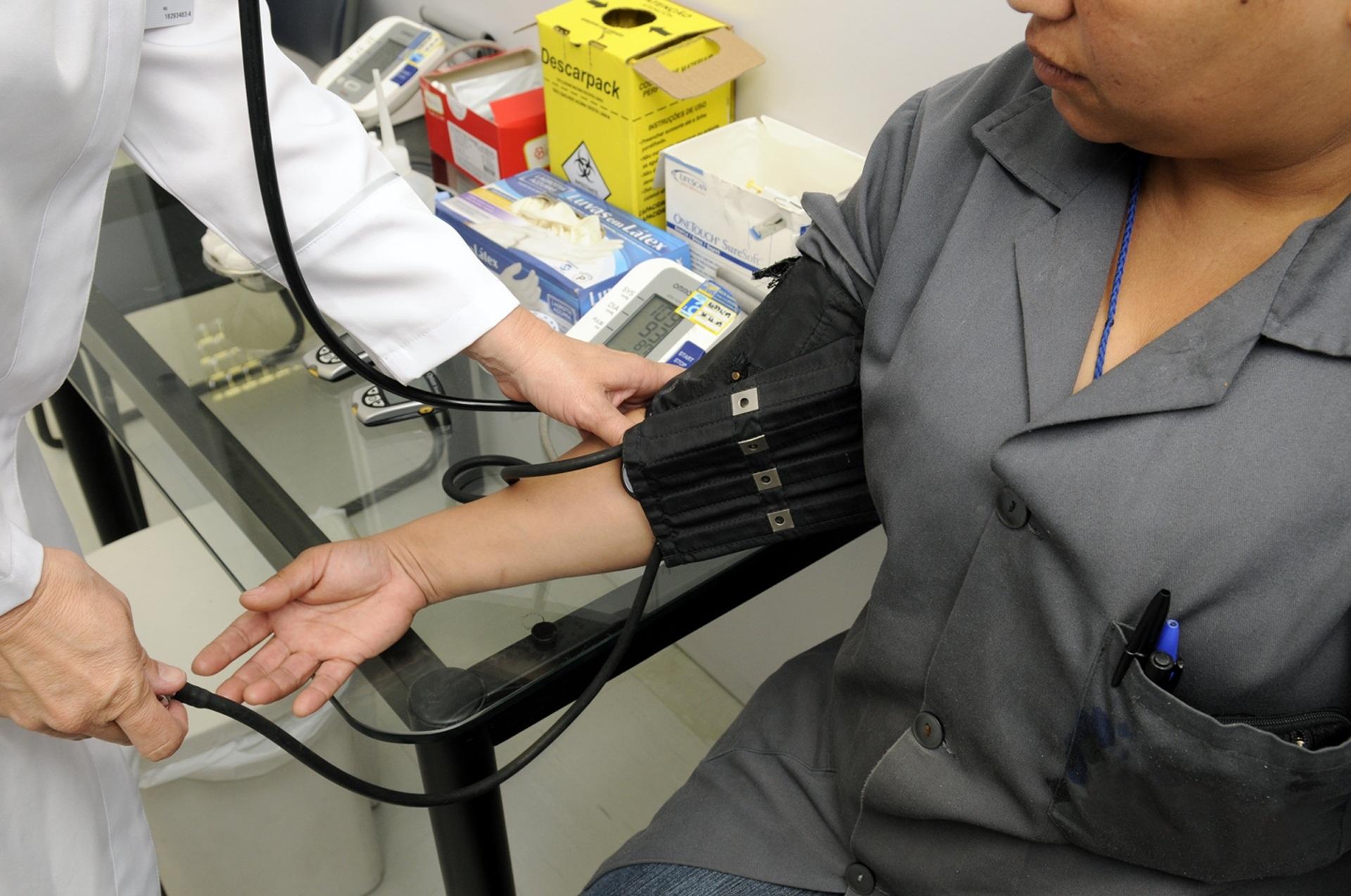 Propostas do governo não convencem médicos a recuar na greve