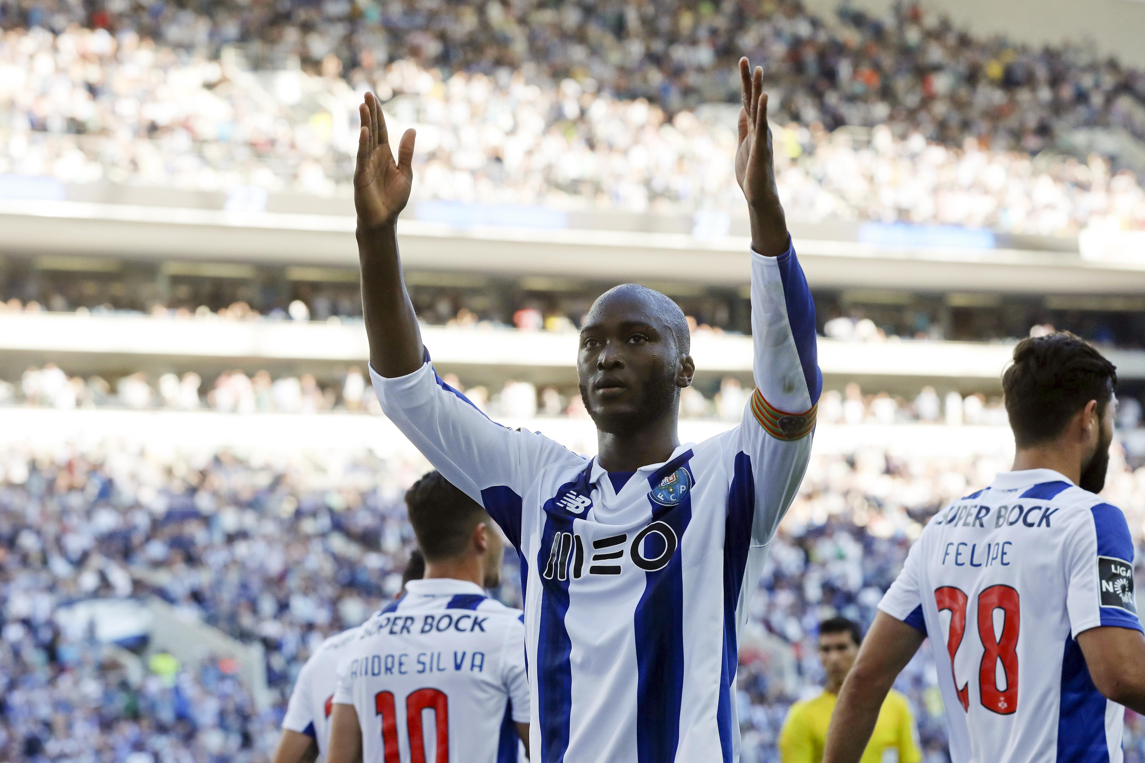 FC Porto iniciou preparação da visita a Chaves sem Corona e Danilo