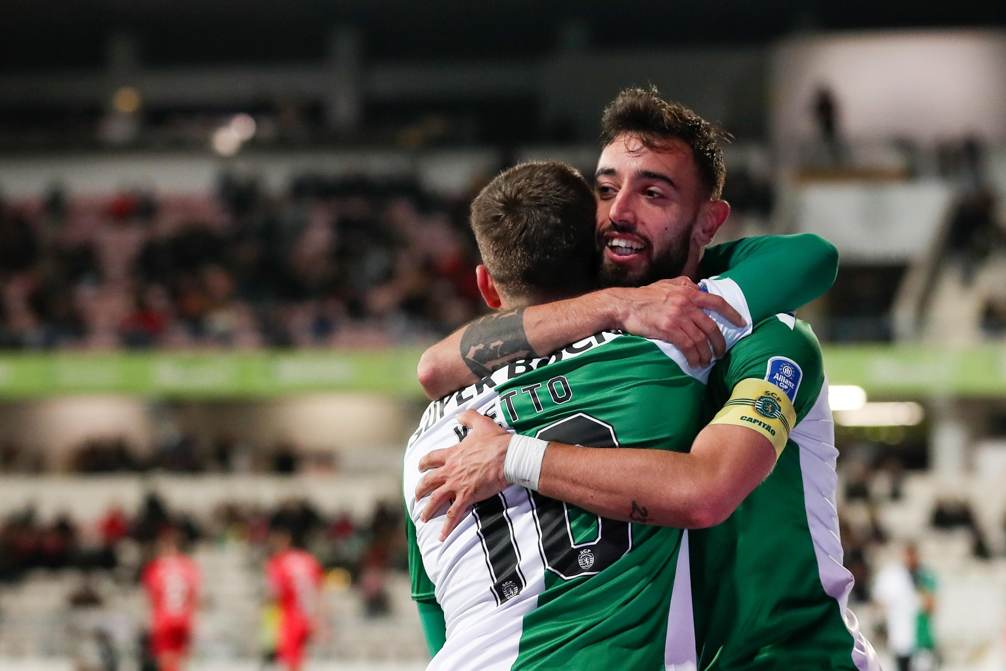 Sporting vence em Barcelos e mantém-se na luta na Taça da Liga