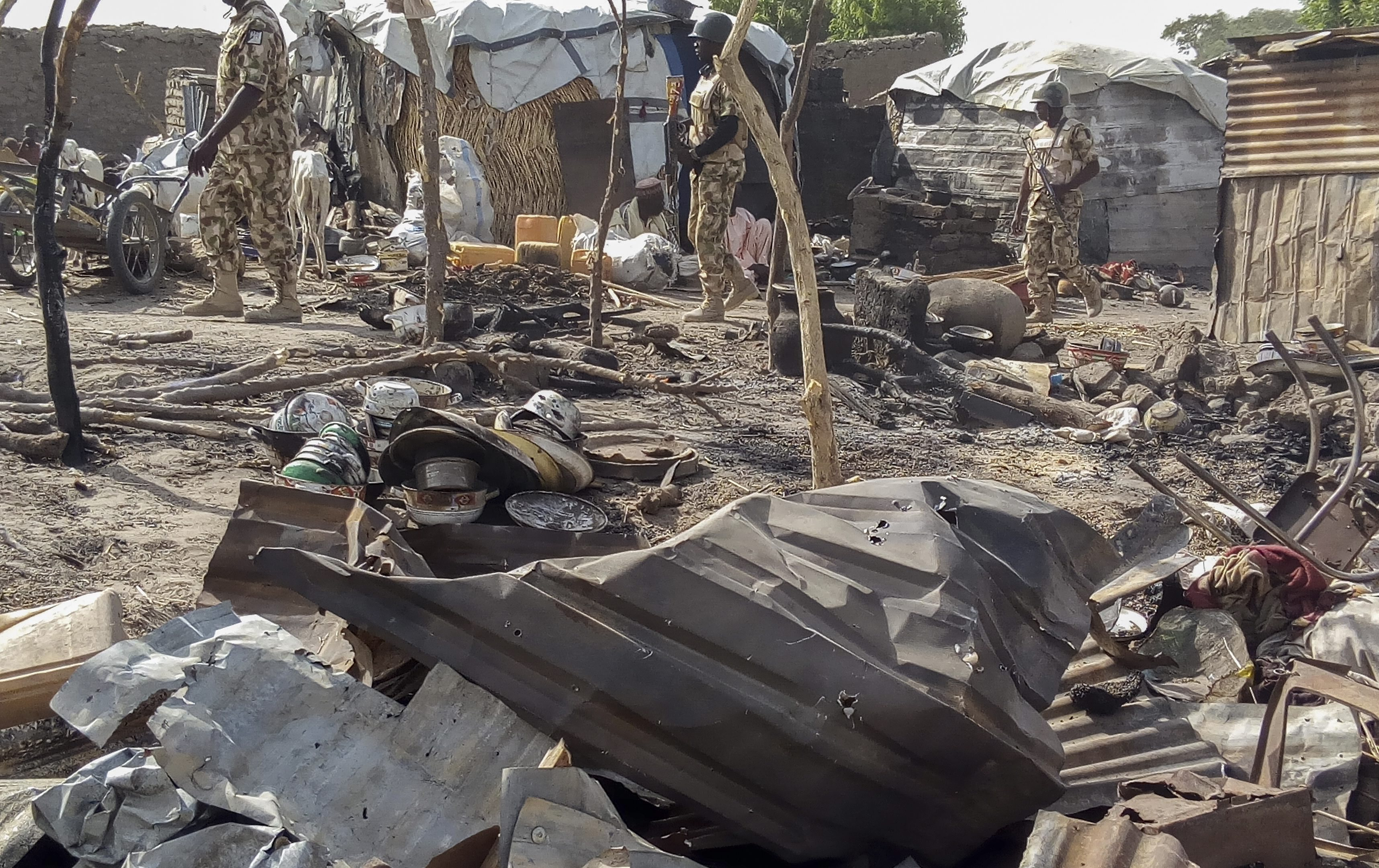 Pelo menos 19 mortos e 70 feridos em atentado bombista na Nigéria - milícias