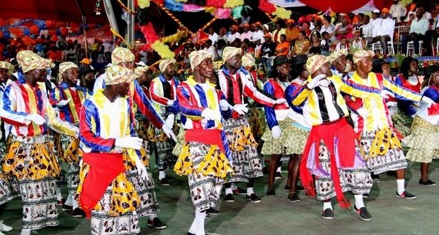 carnaval em luanda