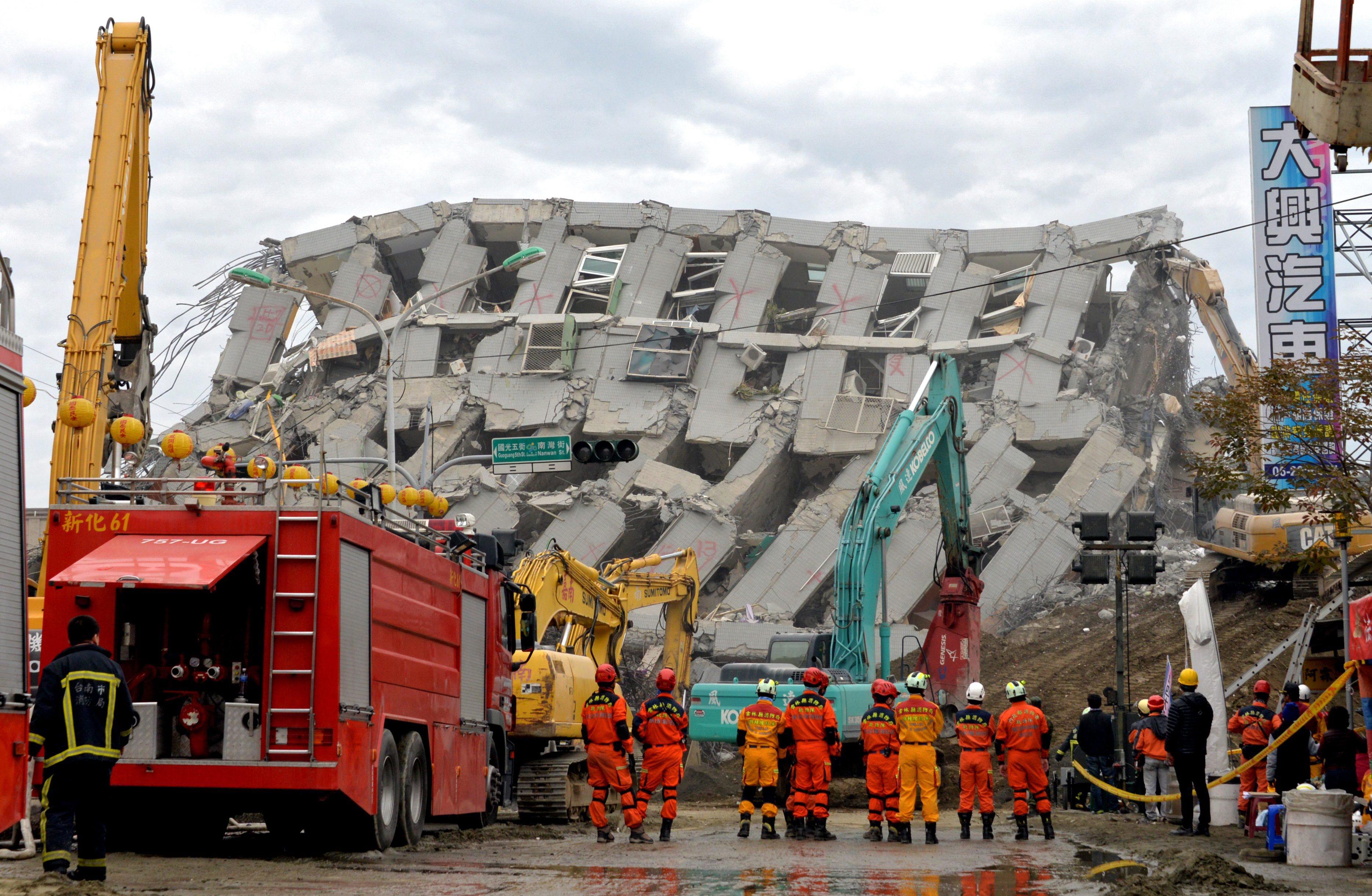 Número de mortos devido a sismo em Taiwan sobe para 55