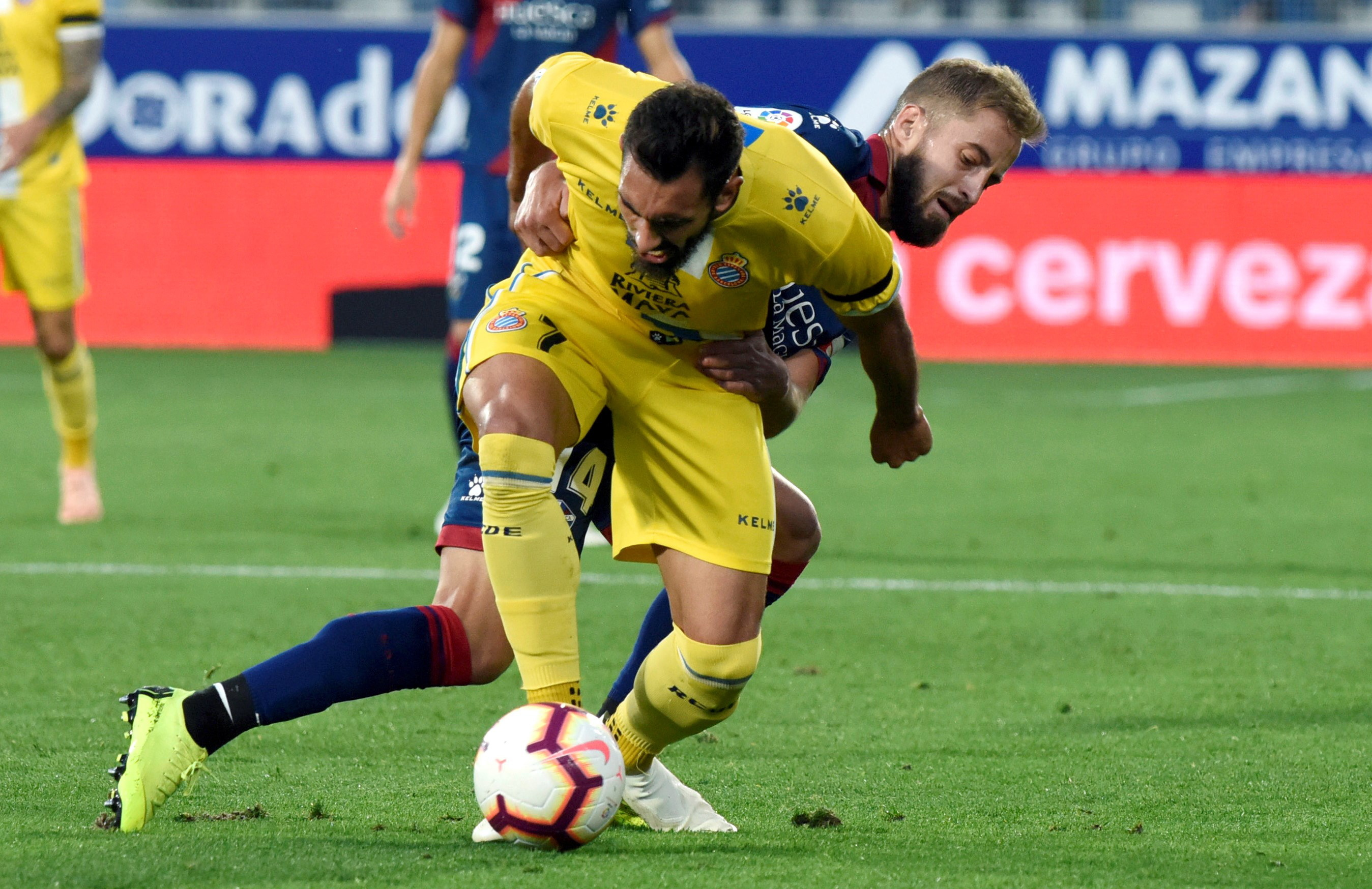 Espanyol vence lanterna-vermelha e fica a um ponto do líder FC Barcelona