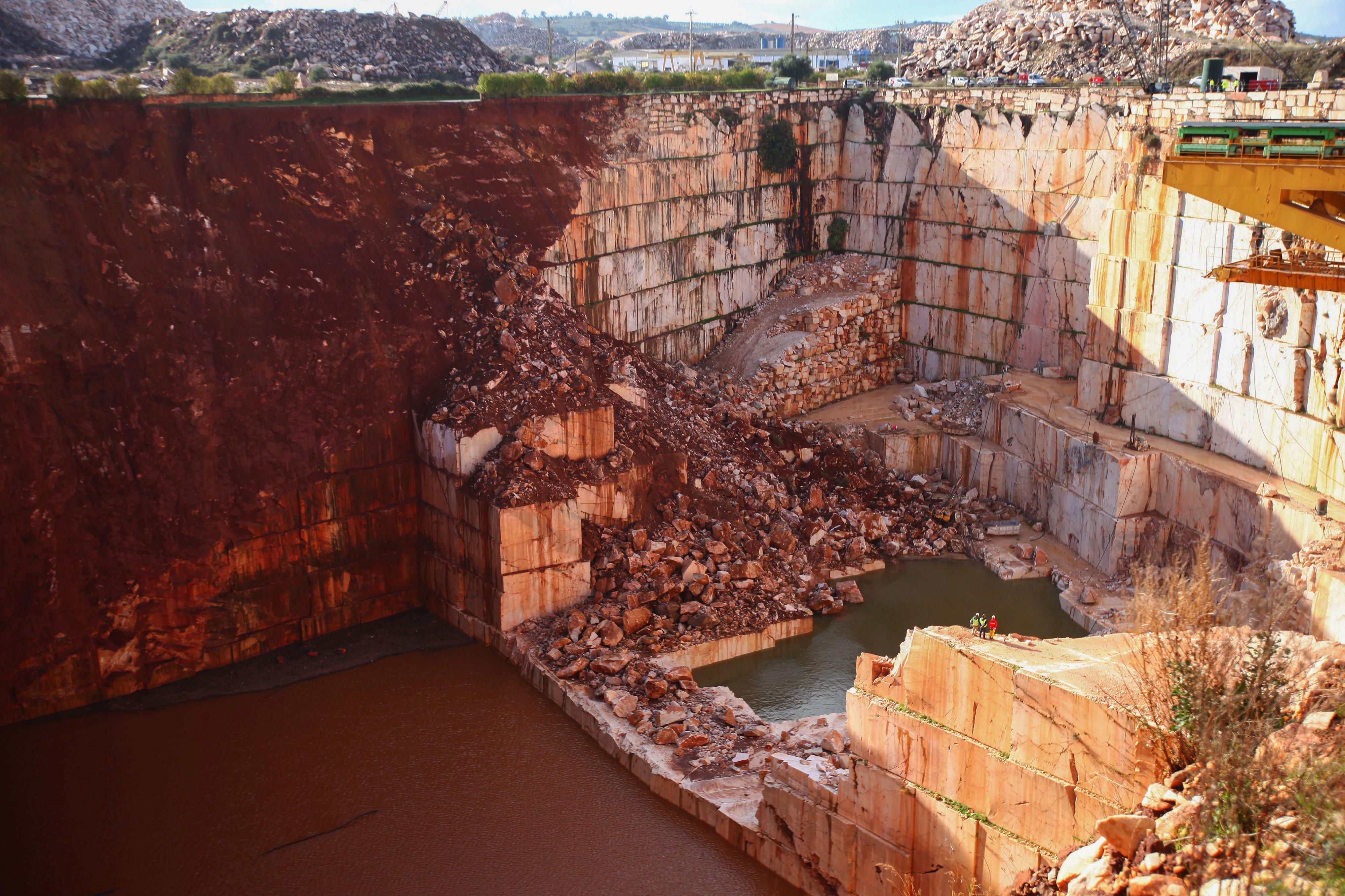 Governo pede inspeção ao licenciamento e exploração de pedreiras