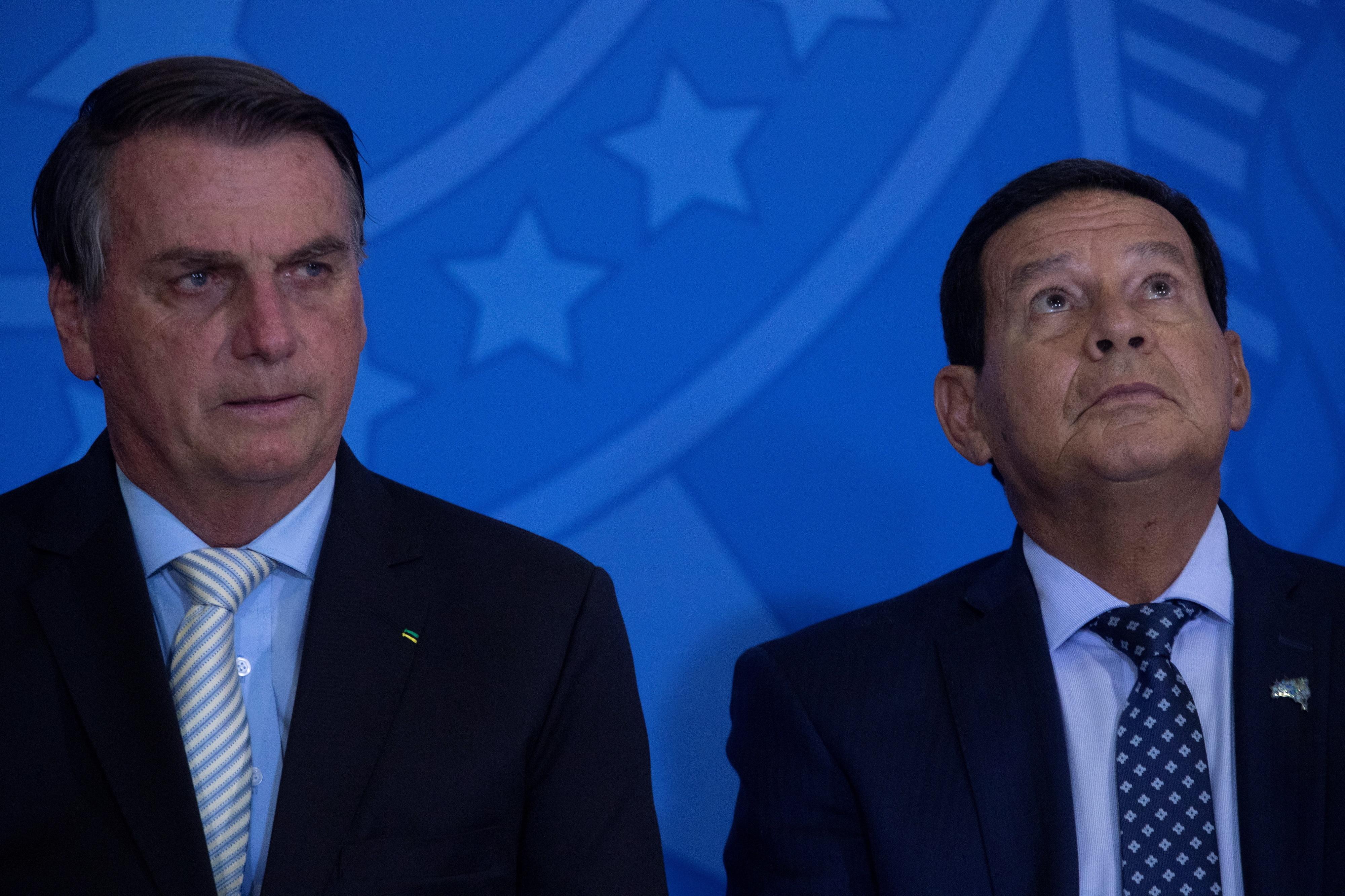 Tribunal eleitoral do Brasil forma maioria contra cassação da candidatura de Jair Bolsonaro