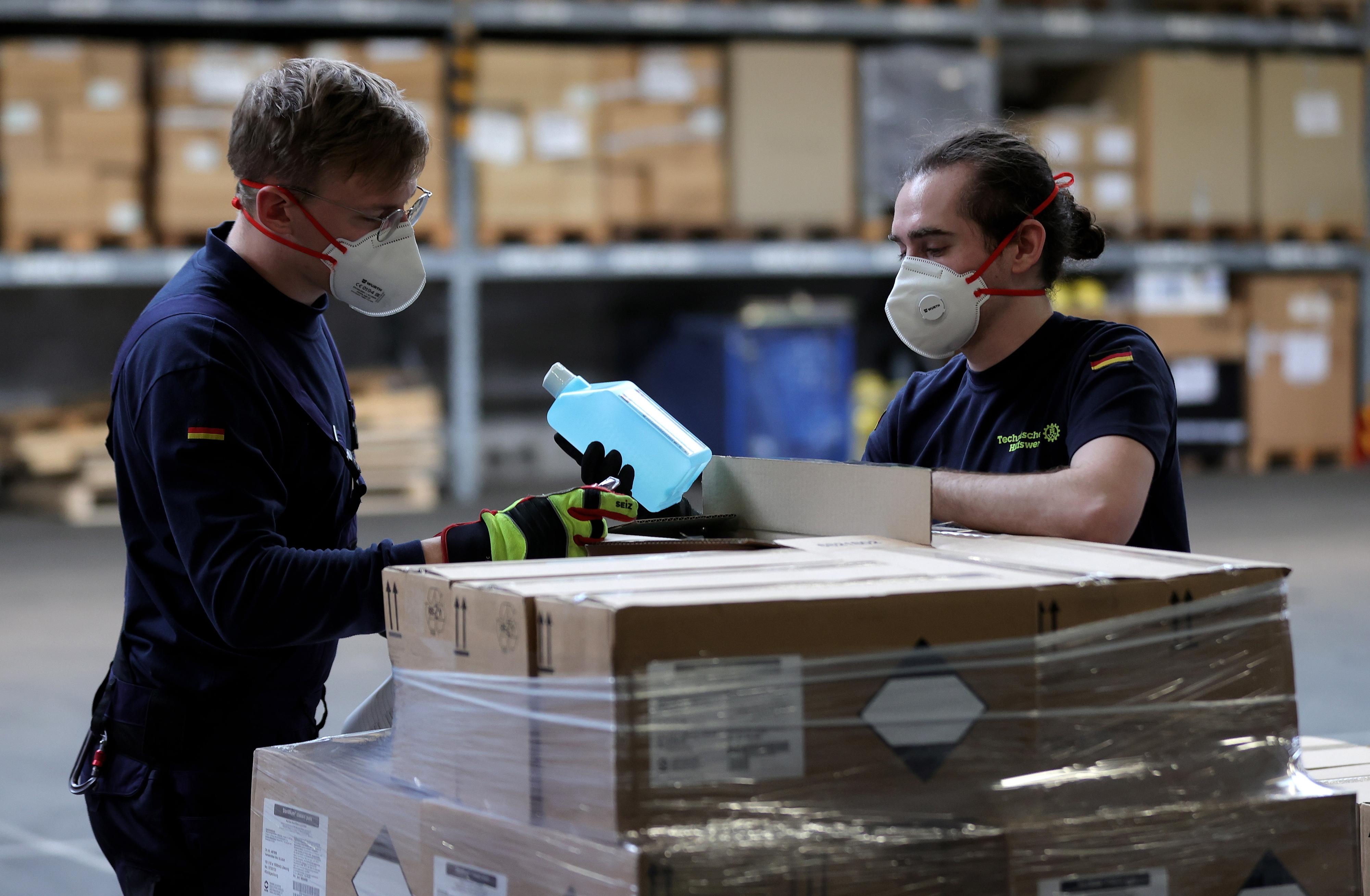 Quatro em cada cinco trabalhadores suspensos total ou parcialmente - OIT
