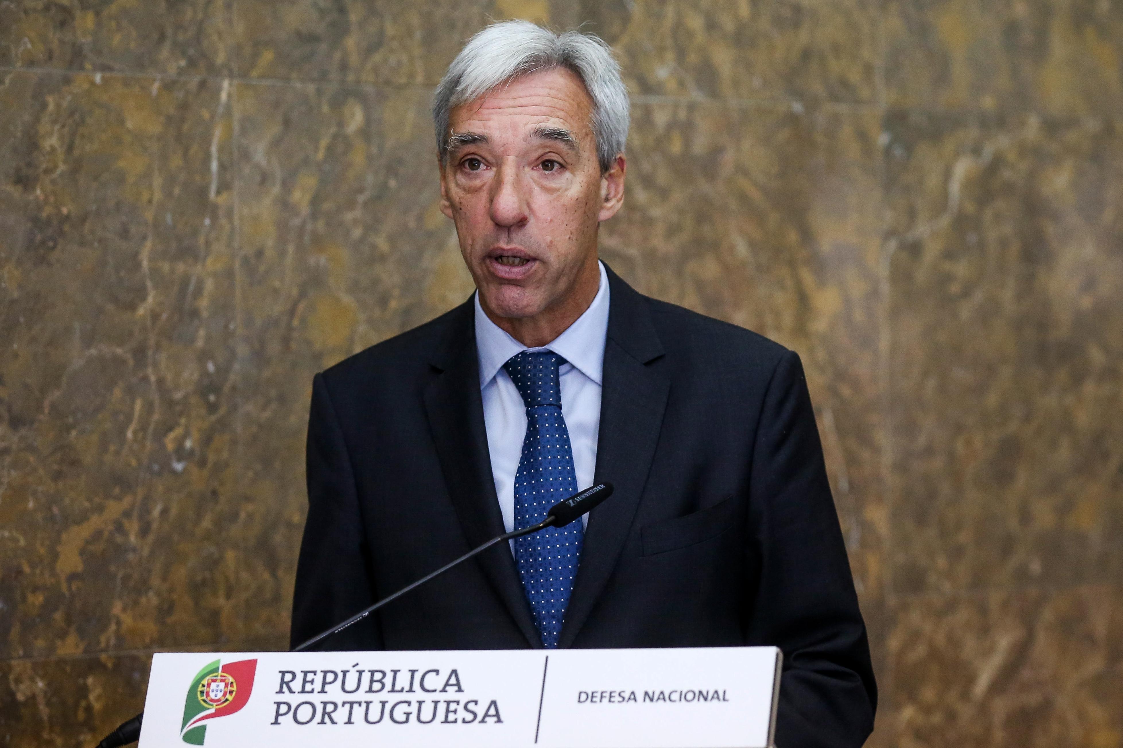 Ministro da Defesa de Portugal defende reforço de medidas para combater trafico de droga no Oceano Atlântico