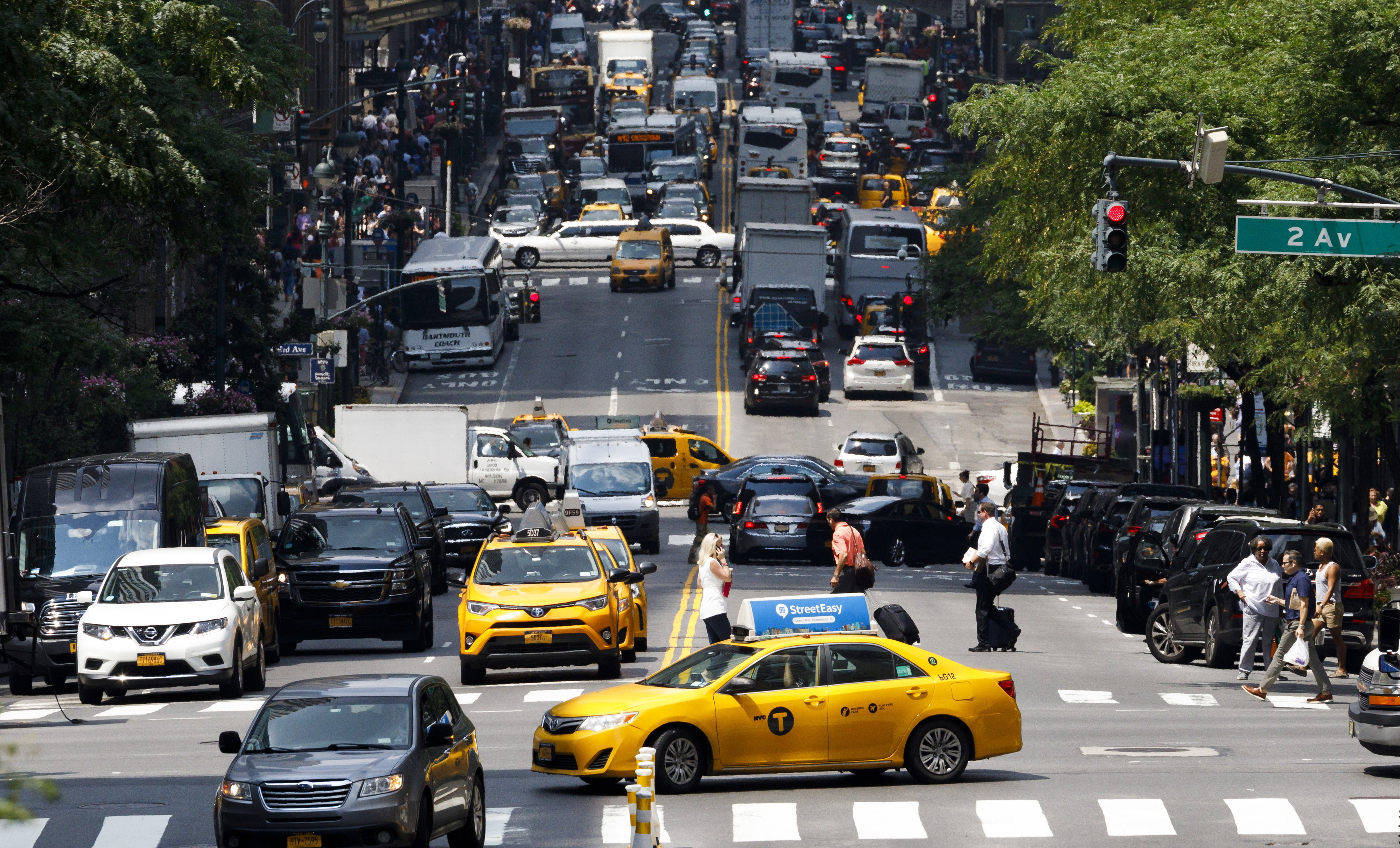 Motoristas de taxi de Nova Iorque falidos devido ao custo das licenças