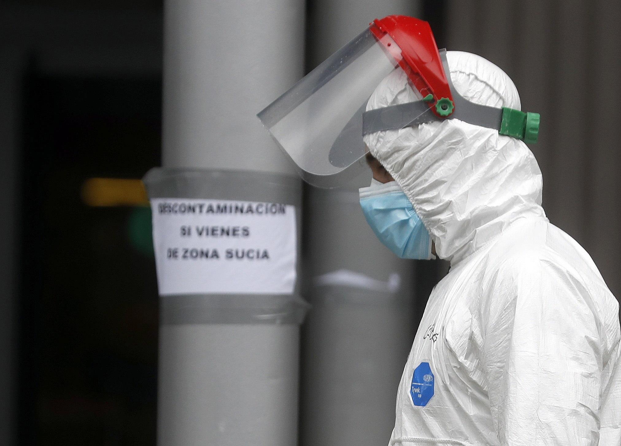 Espanha com 809 mortes tem número diário mais baixo da última semana