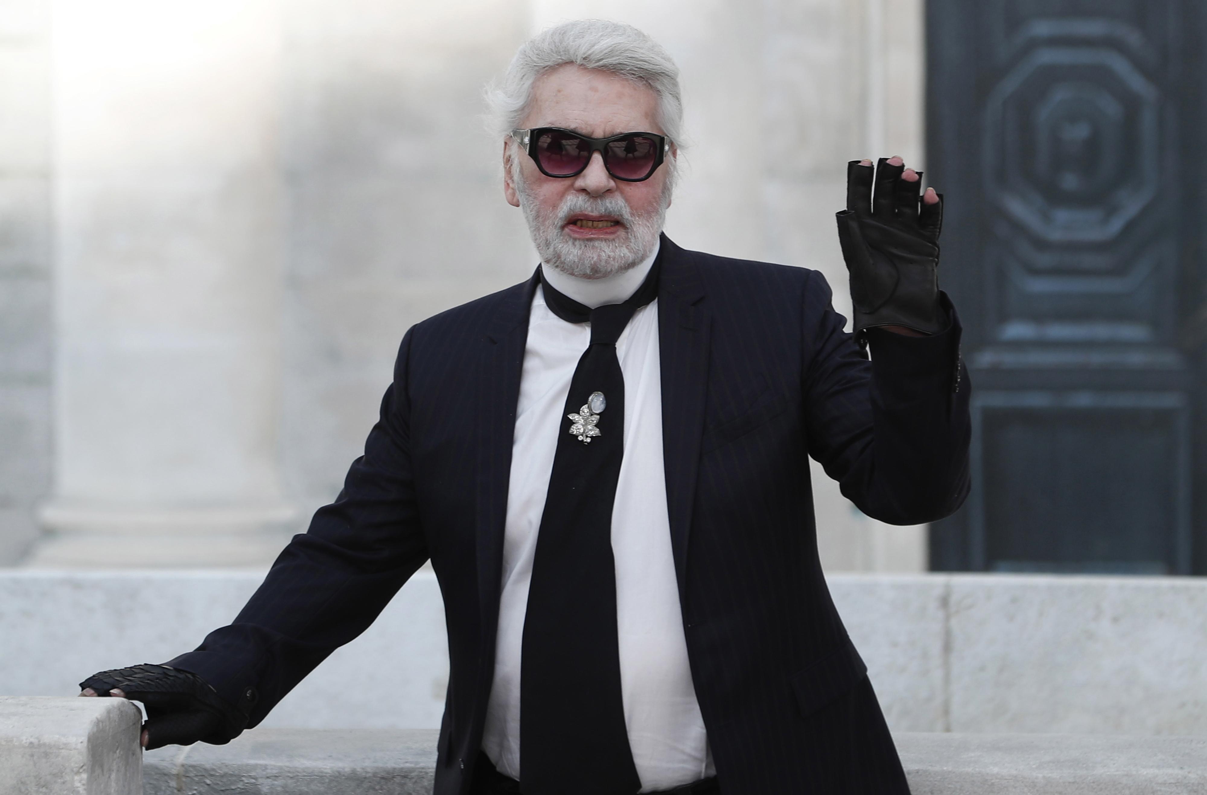 b9ead73702 Morreu o criador alemão Karl Lagerfeld - Internacional — SAPO