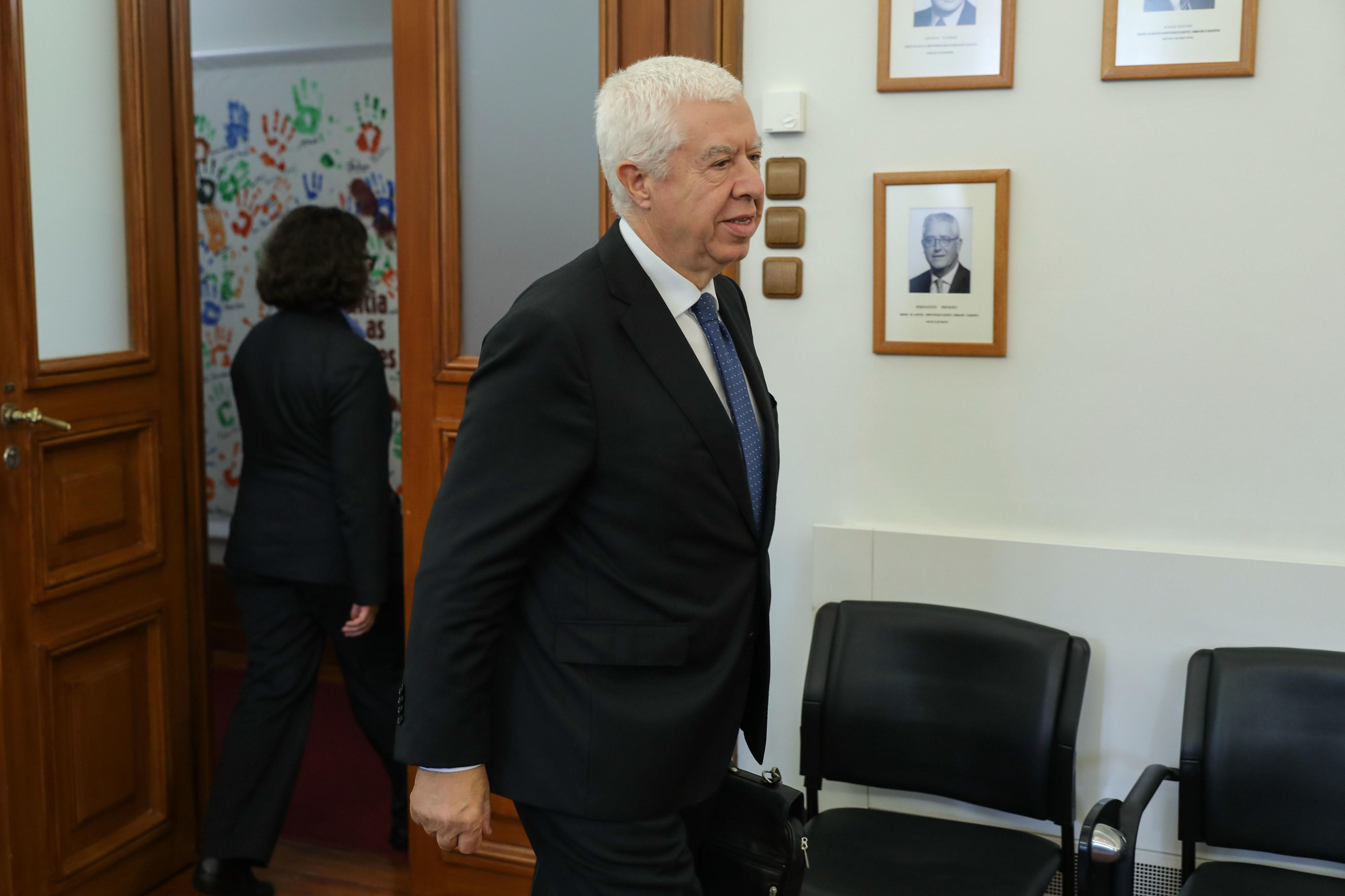 Teixeira dos Santos diz que não se arrepende de ter nomeado Vara e Santos Ferreira