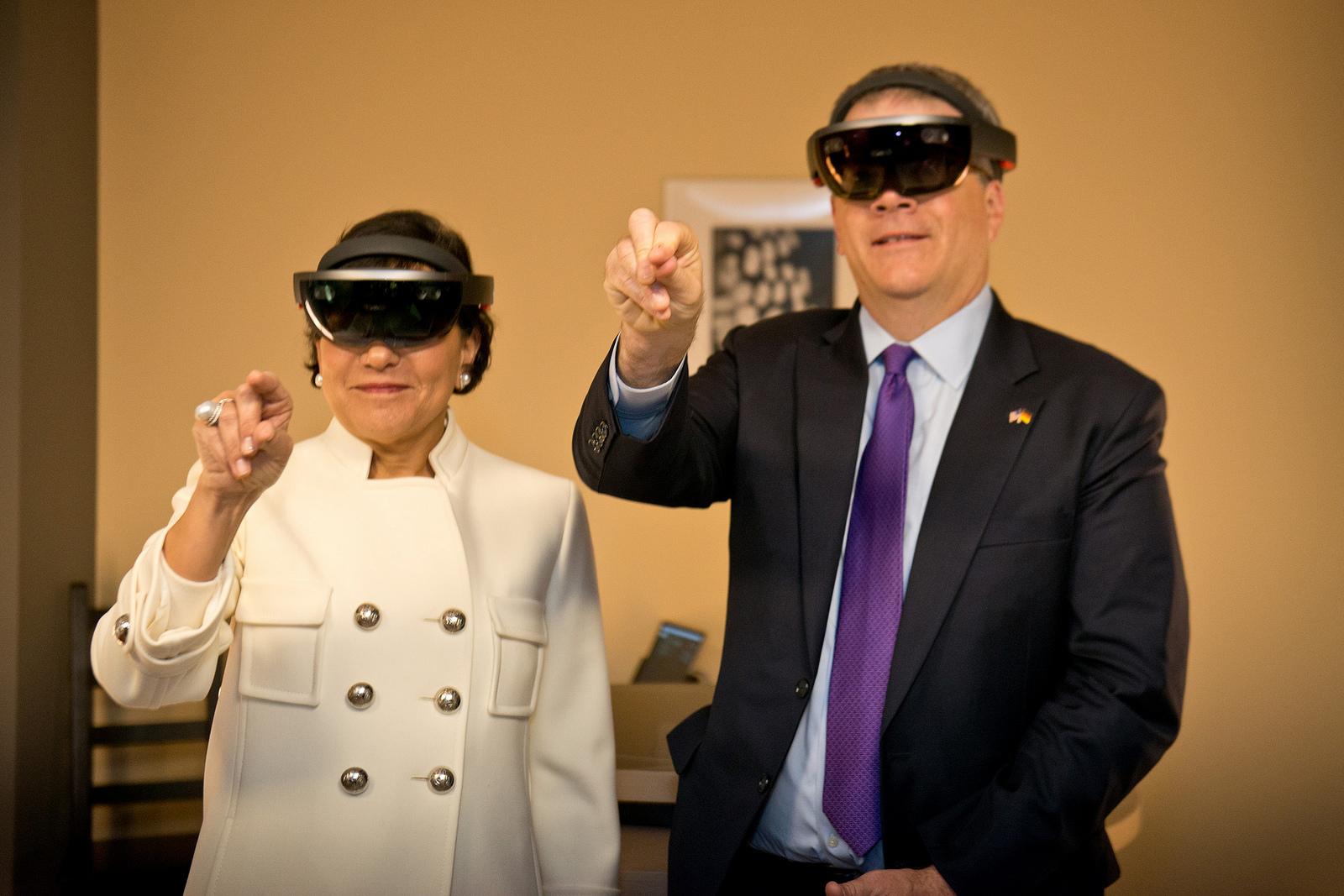 Conheça o processador que dá vida aos HoloLens da Microsoft