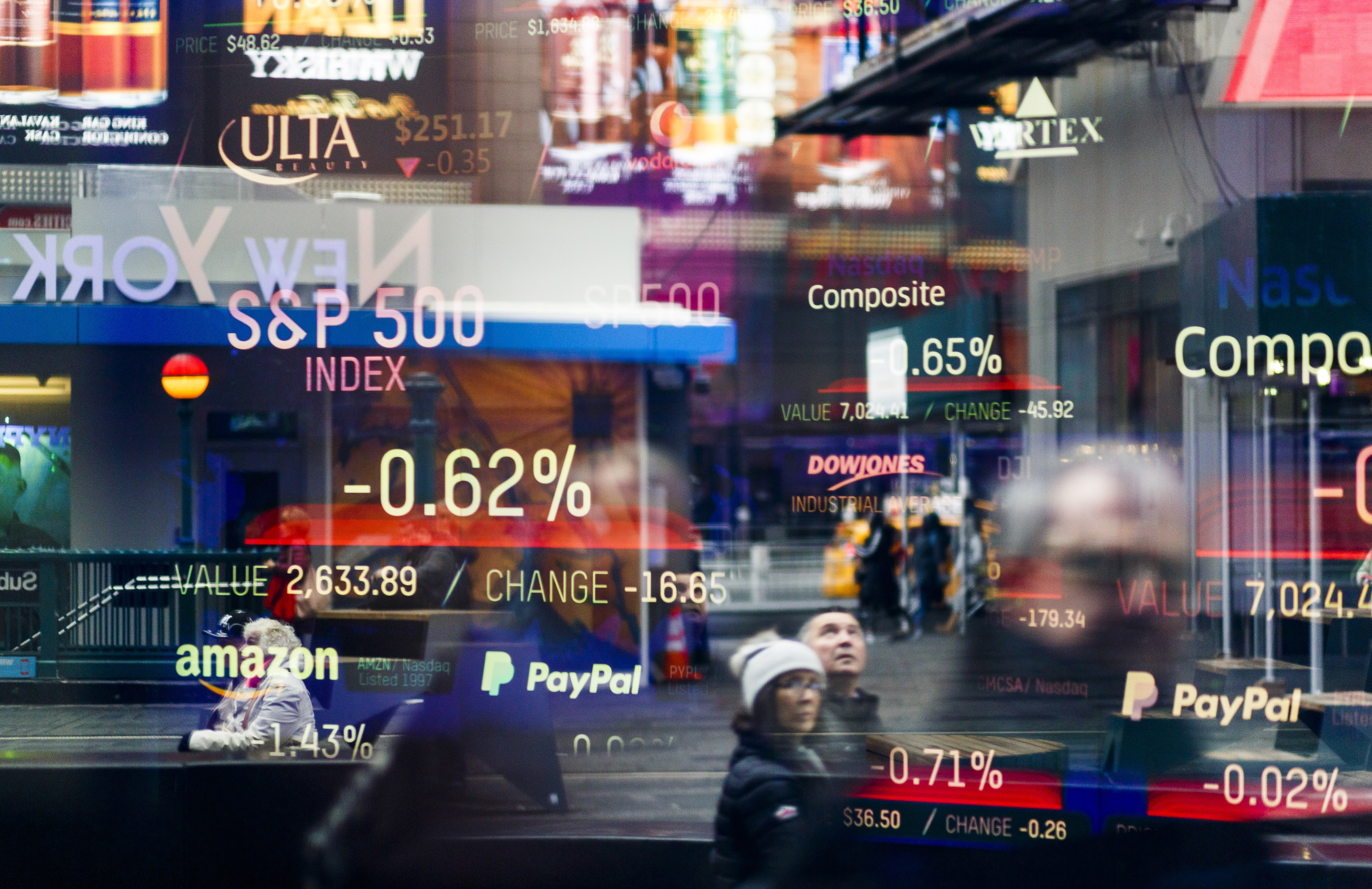 Wall Street fecha em baixa perante resultados que não deslumbraram investidores