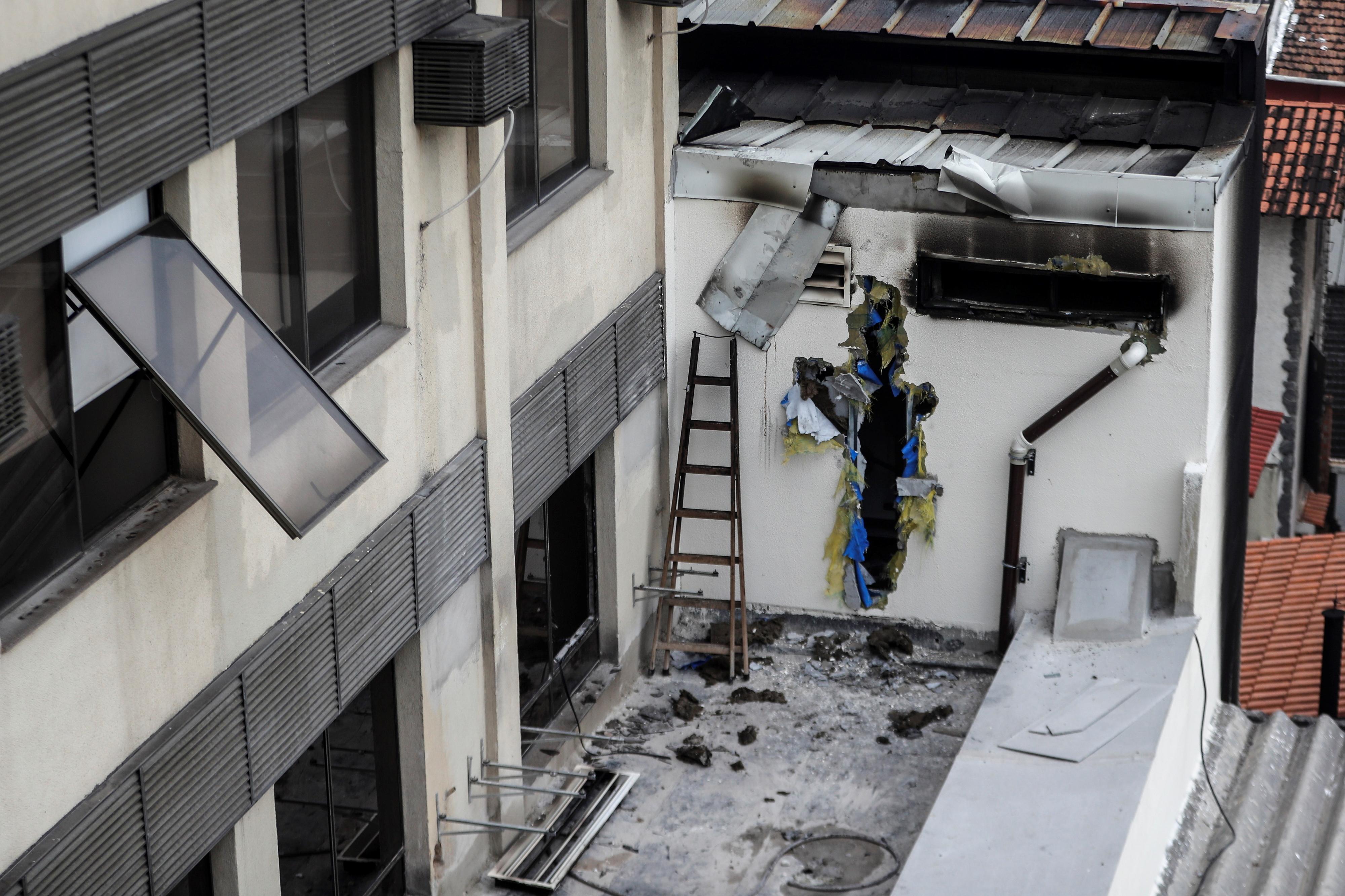 Aumenta para 14 número de mortos em incêndio no hospital do Rio de Janeiro