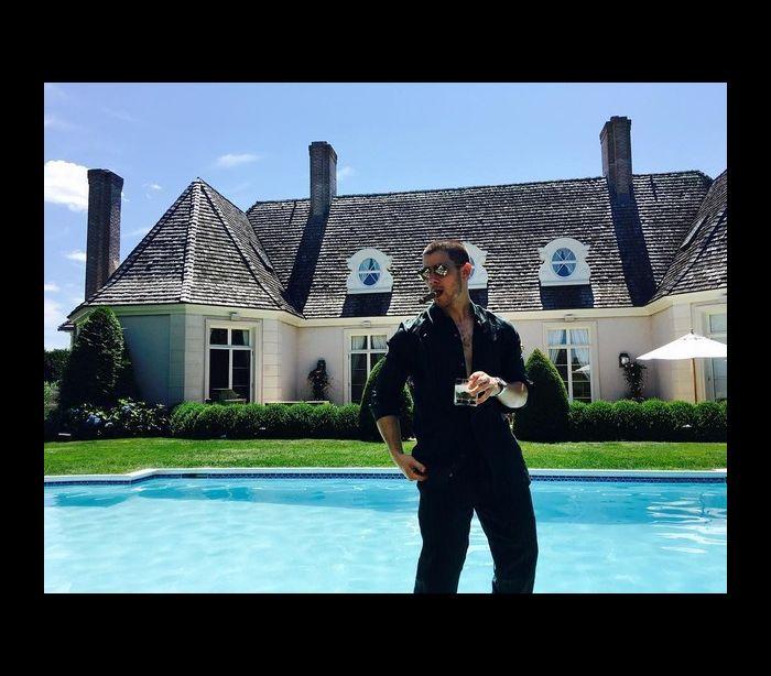 Nick Jonas aluga mansão por 25 mil euros... por semana