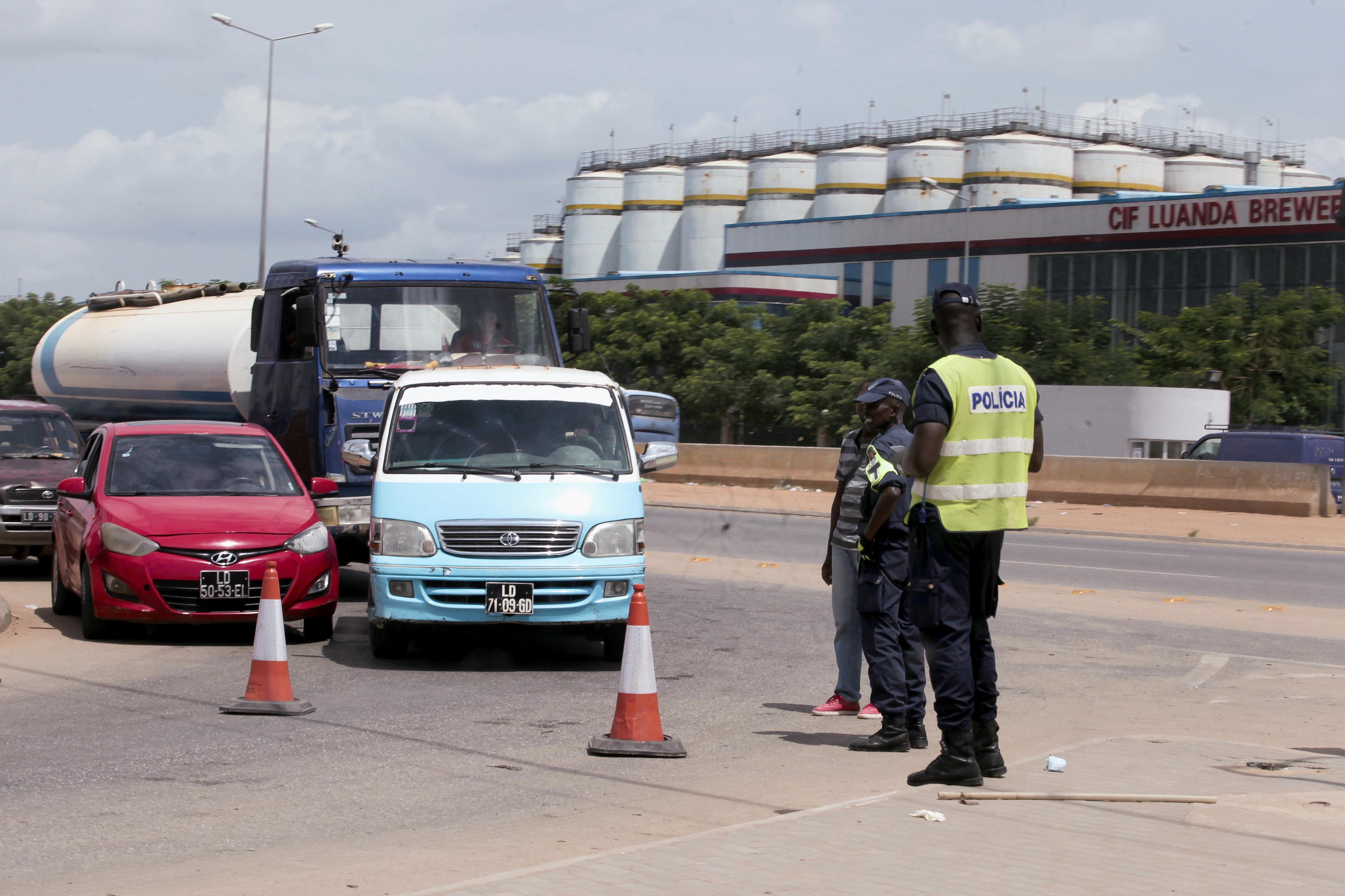 Desobediência ao estado de emergência leva a 337 detenções em 24 horas em Angola