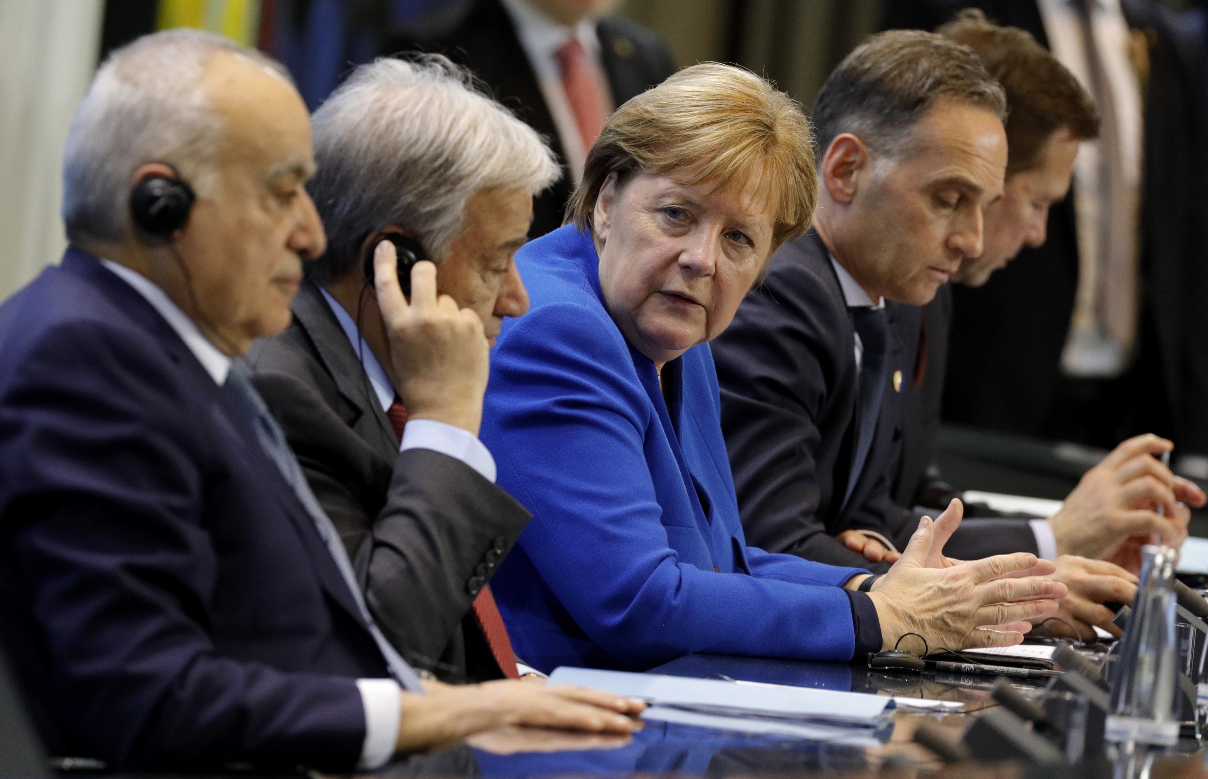 Merkel diz que houve acordo para respeitar embargo de armas