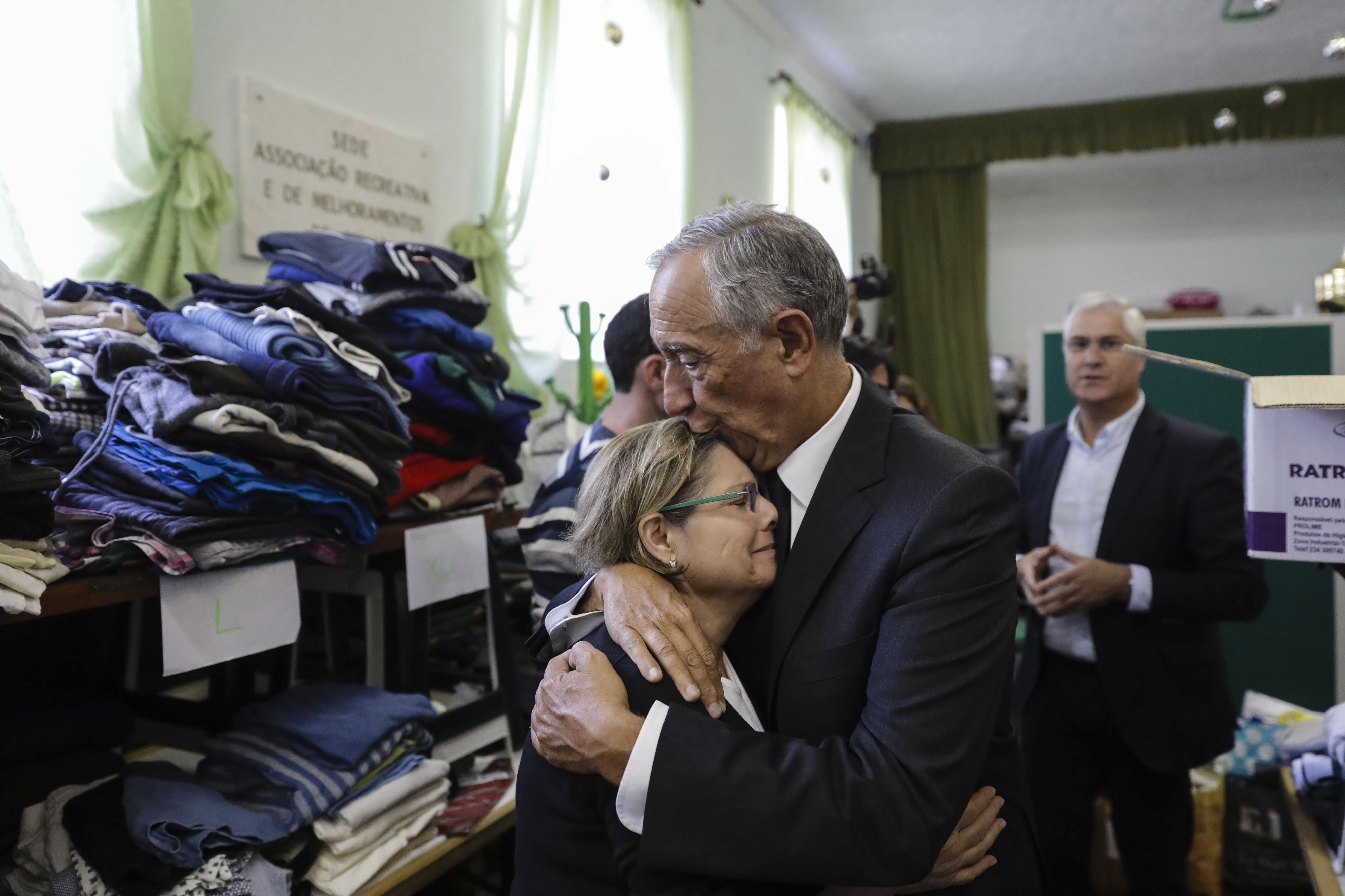 Presidente da República elogia autarcas, populações, bombeiros e familiares destes