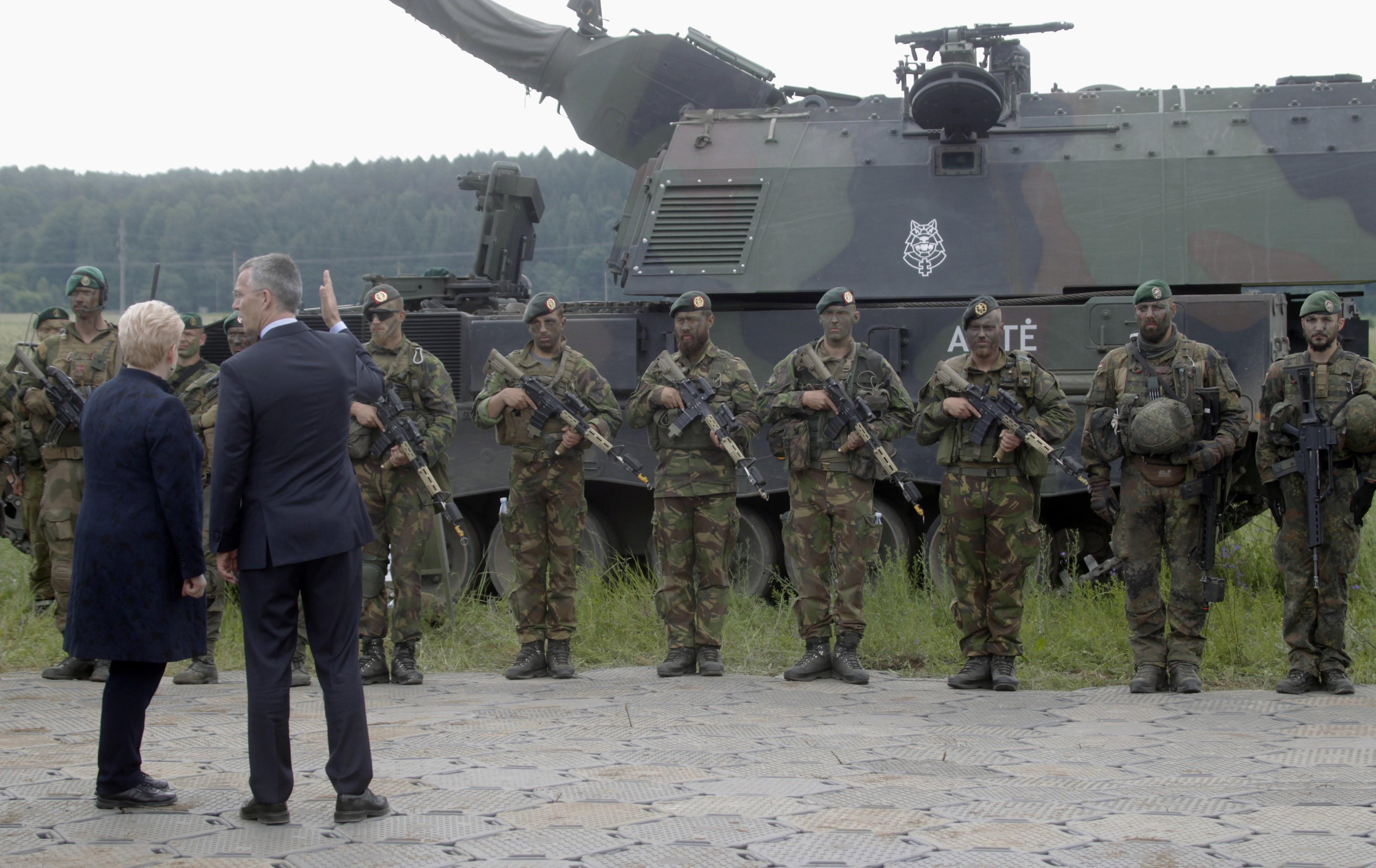 Aliados da NATO aumentam 4,3% gastos com defesa - secretário-geral