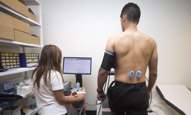 Árbitros fazem testes médicos na FPF
