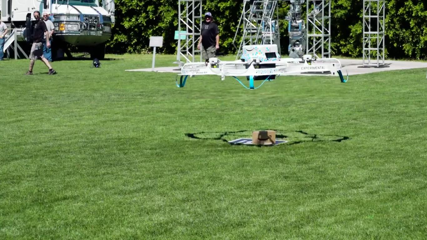 Amazon nos ares completa a primeira entrega autónoma com drone nos EUA