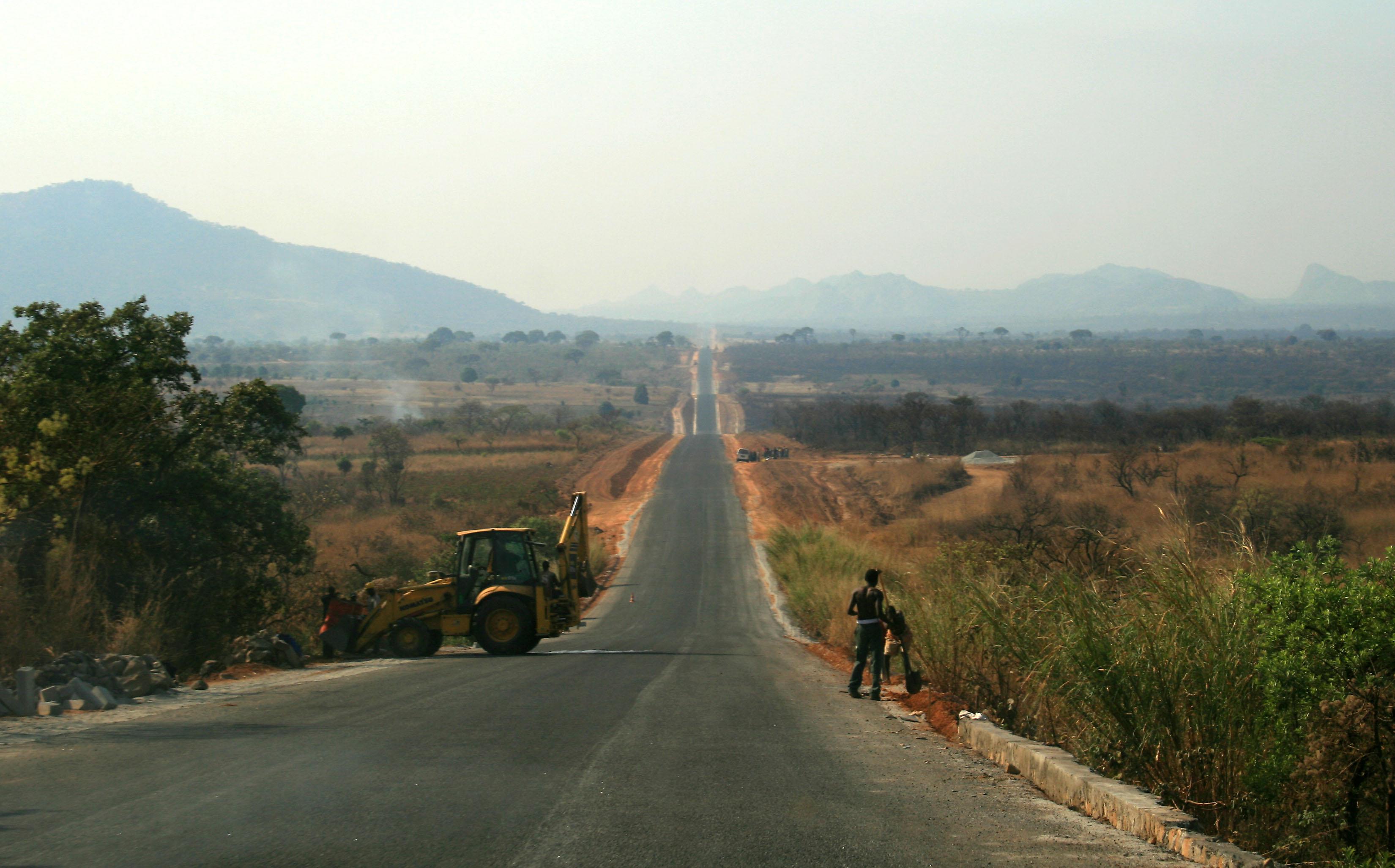 Governo da província angolana do Huambo adquire mais de 7.000 toneladas de adubo