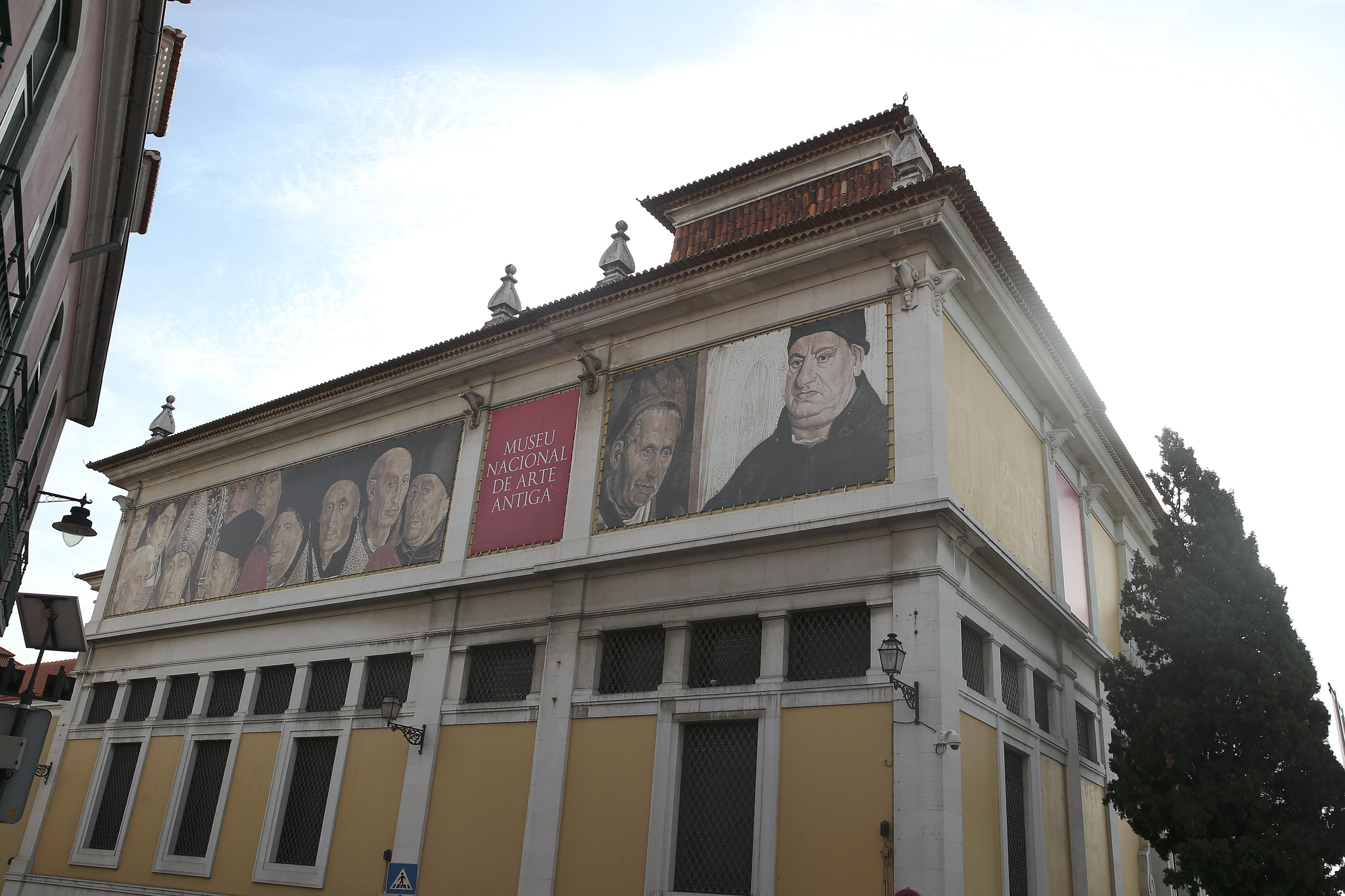Escultura de arcanjo derrubada por turista regressa ao Museu de Arte Antiga em maio