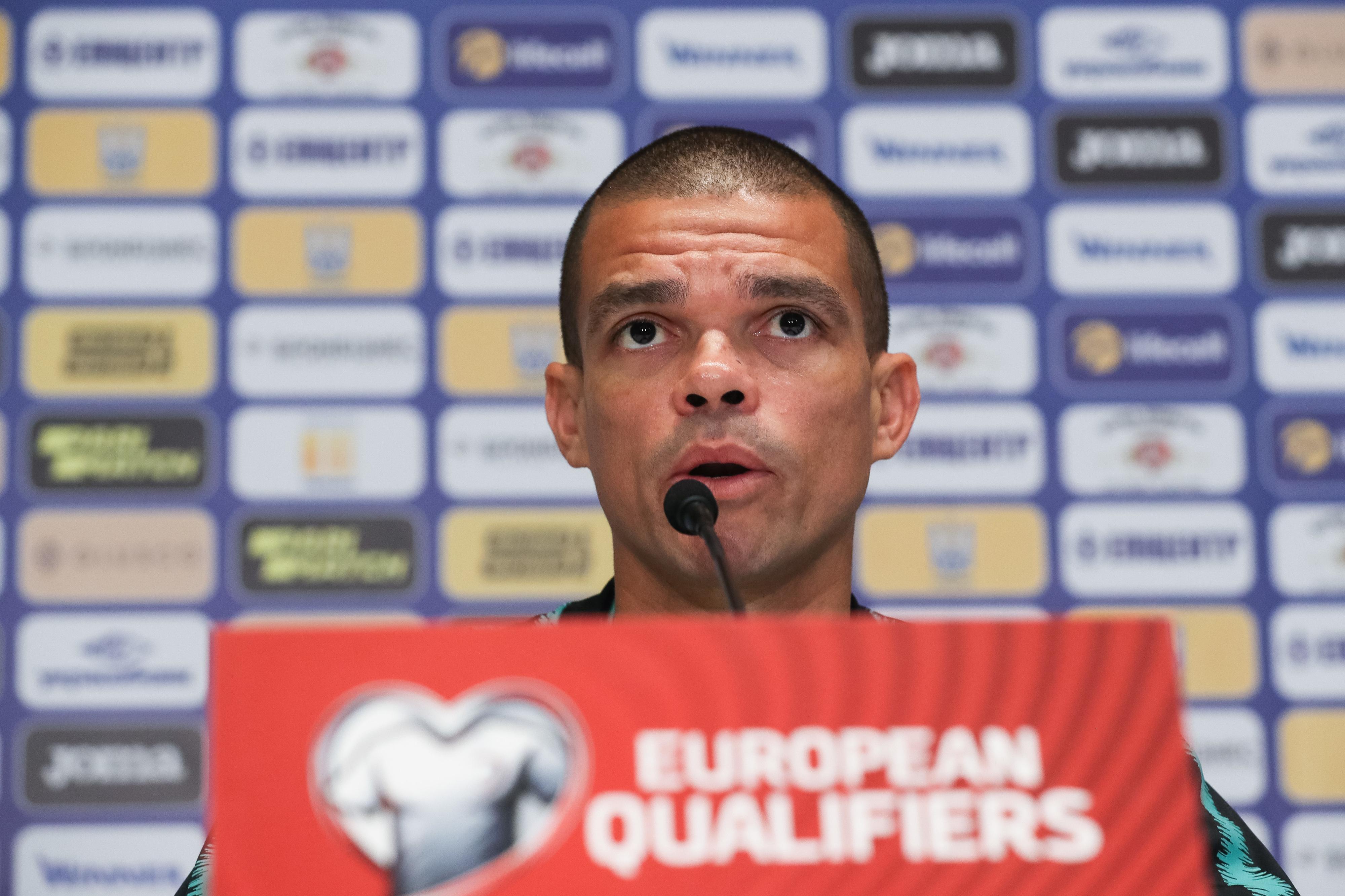 """Pepe alerta para jogo """"extremamente difícil"""" em Kiev"""