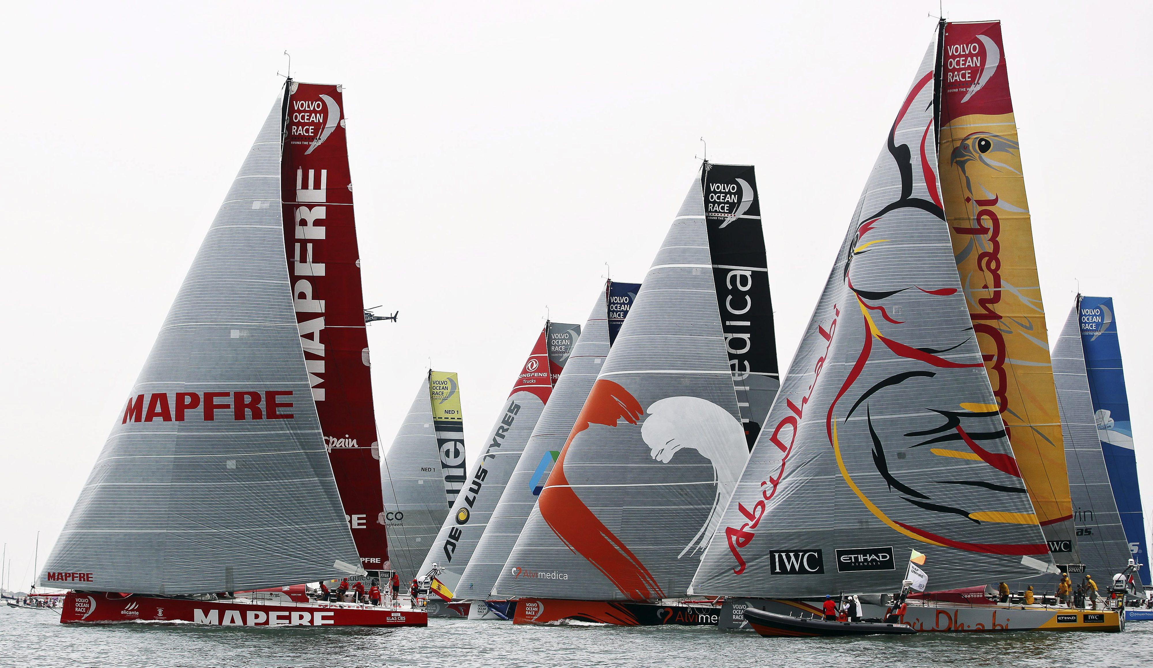 Volvo Ocean Race 'largou' da baía de Alicante diante de milhares de pessoas