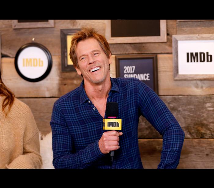 Kevin Bacon divertido a discutir a série 'I Love Dick'