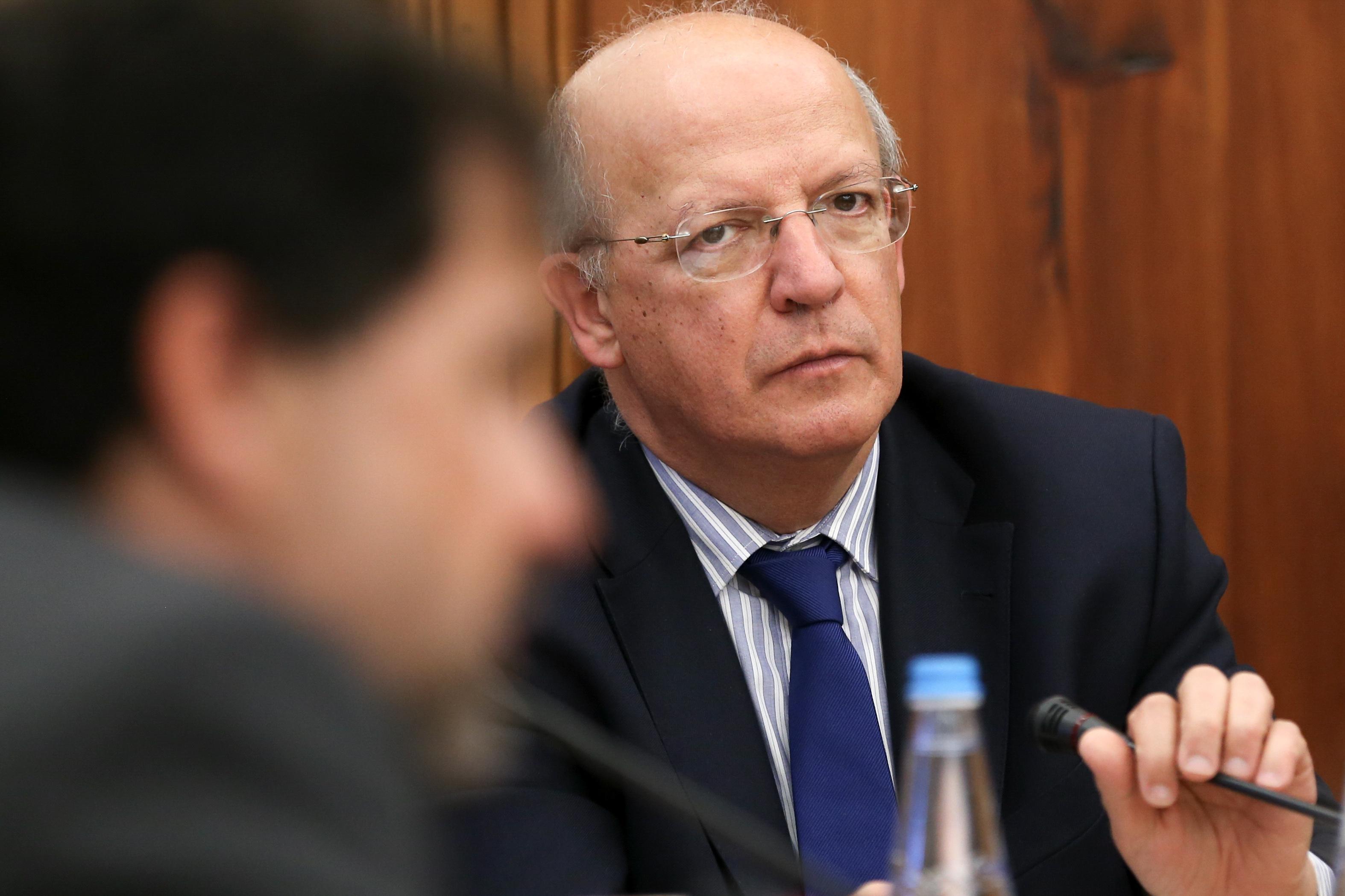 """""""Não queremos em Portugal pessoas que possam constituir uma ameaça"""", diz MNE"""