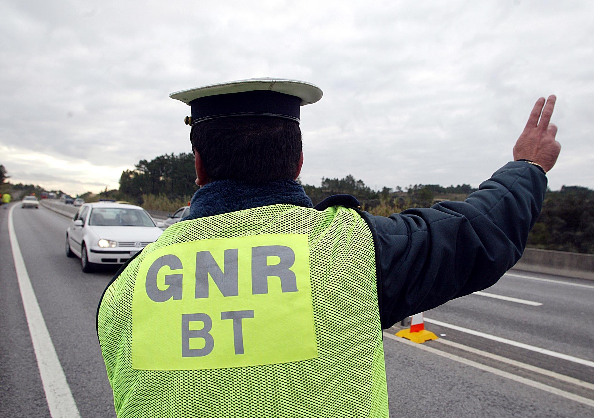 """GNR detém 14 pessoas nos três dias na operação """"Travel Arms"""""""