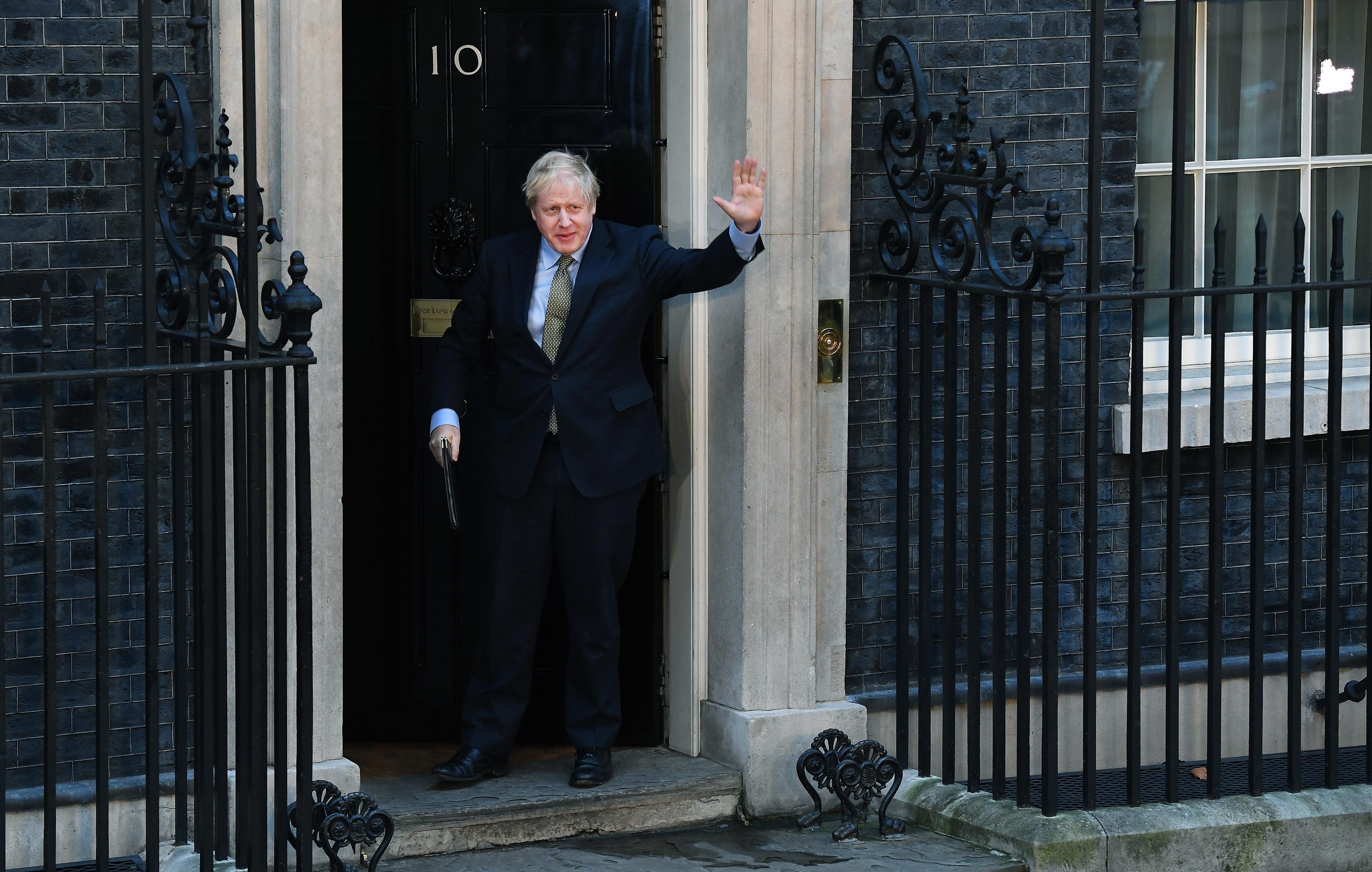 Resultados totais dão 365 deputados aos Conservadores nas legislativas britânicas