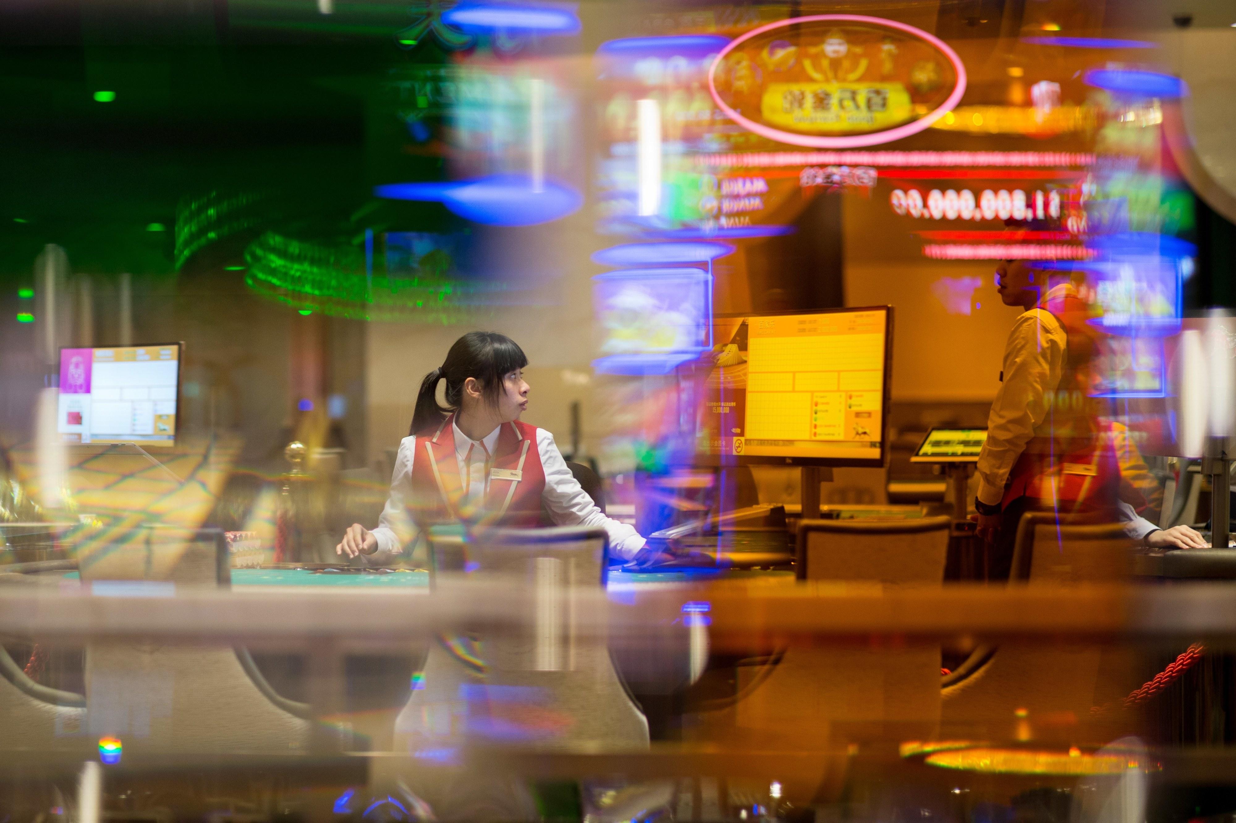 Receitas do jogo abrandam em Macau mas 'rating' mantém-se forte - Fitch