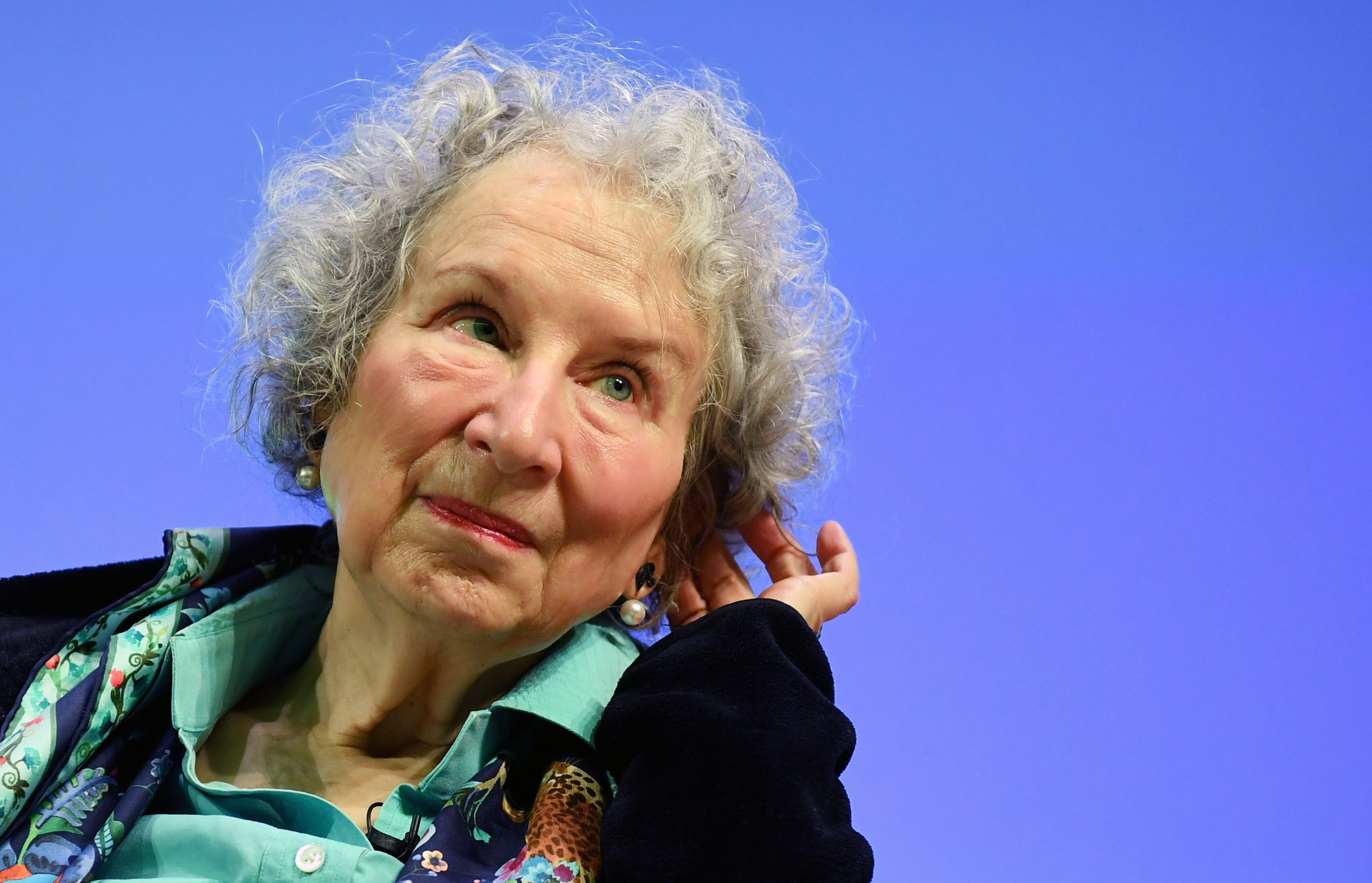 Margaret Atwood e Bernardine Evaristo vencem prémio literário Booker