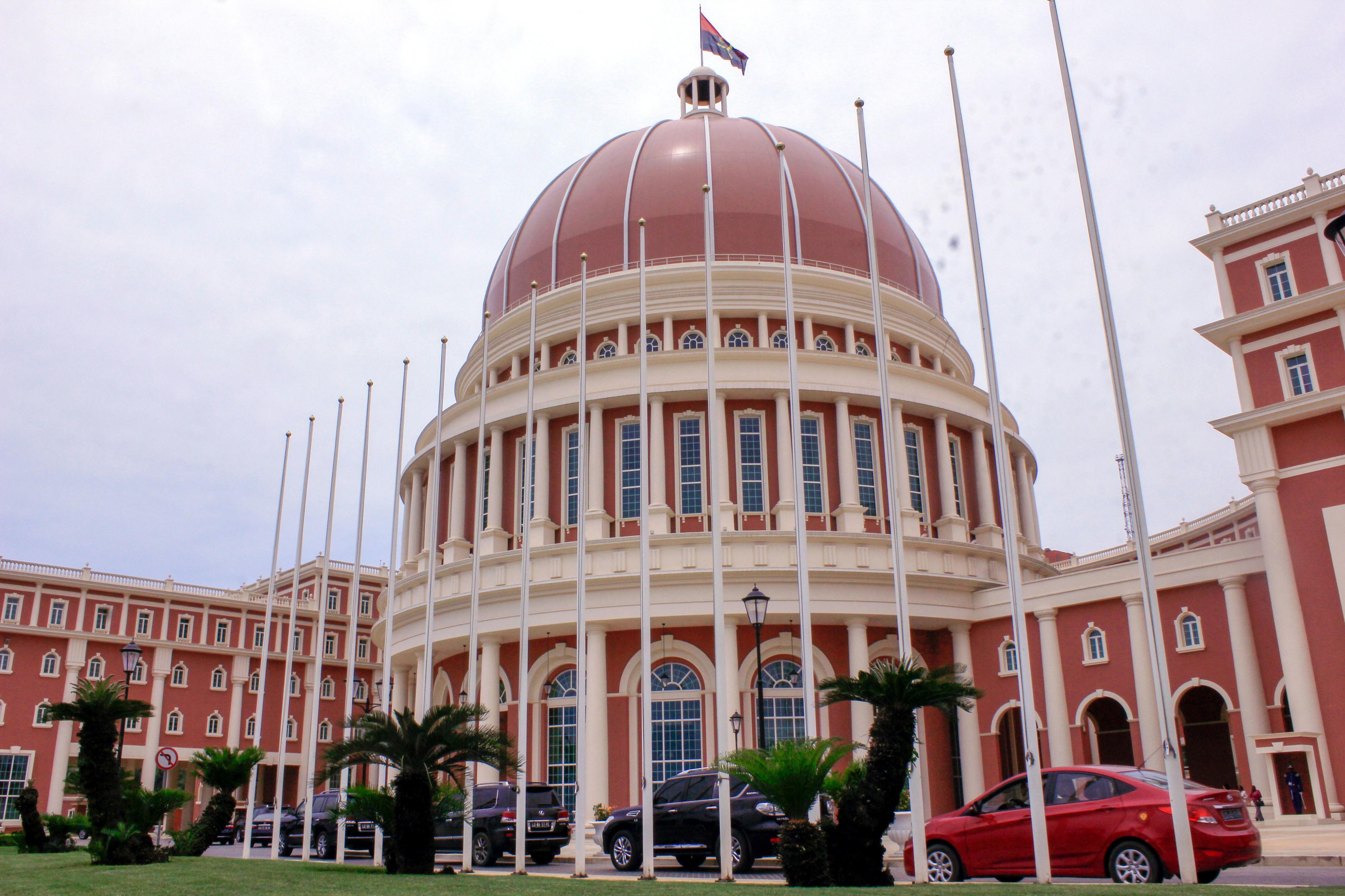 Parlamento angolano discute e vota hoje Orçamento Geral do Estado para 2020