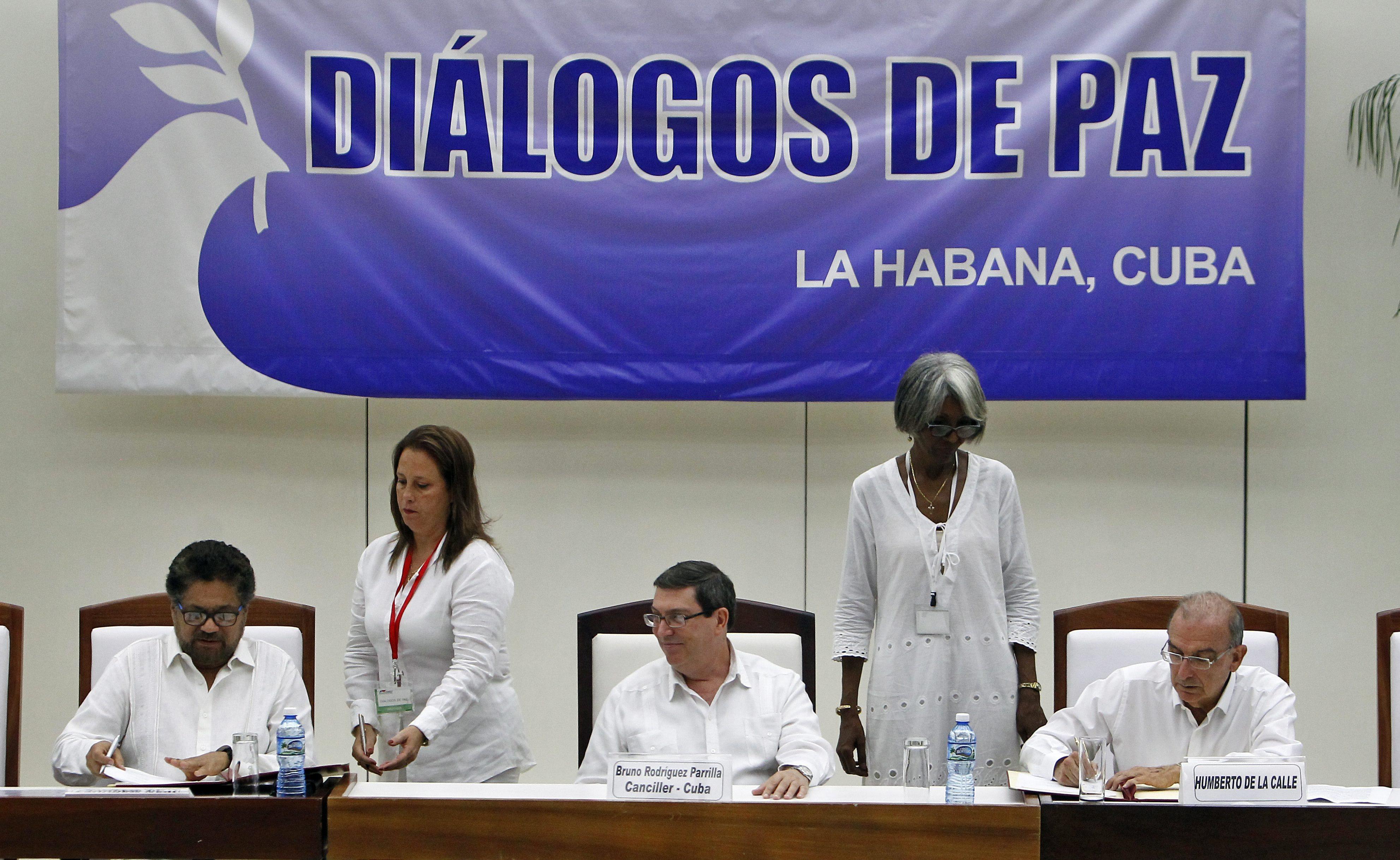 Portugal saúda acordo de paz entre governo da Colômbia e guerrilha das FARC
