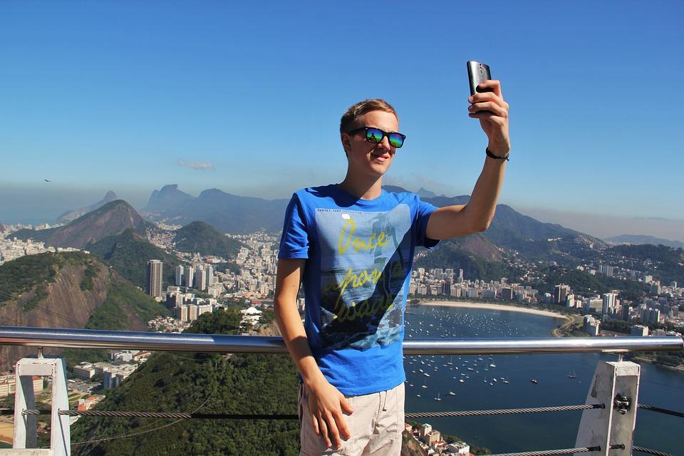 200 milhões de utilizadores, 1,6 mil milhões de animações e muitas selfies no Google Photos