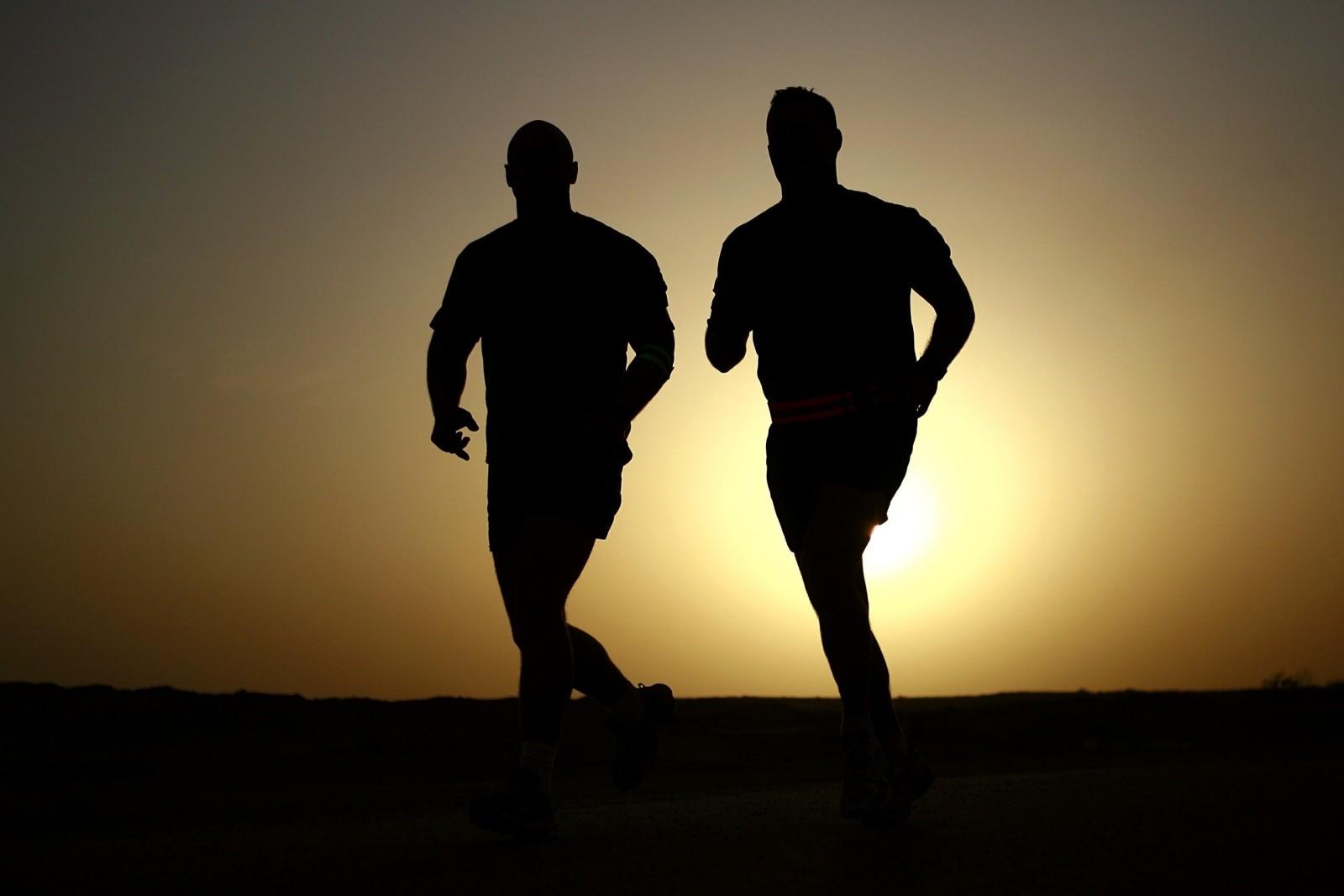 Alugue um personal trainer neste novo Booking do exercício físico