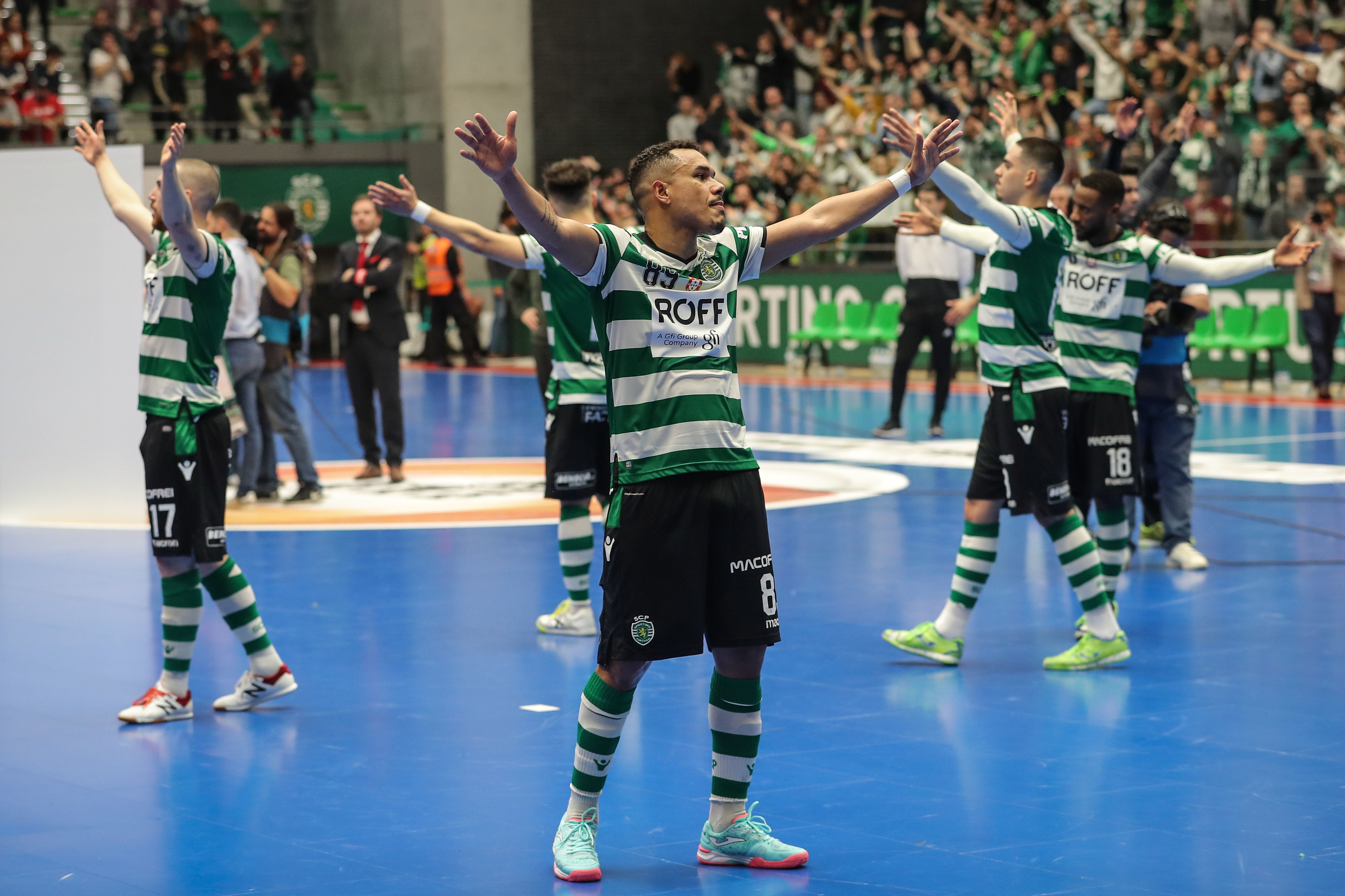 Sporting goleia Modicus e está na final do Nacional de futsal
