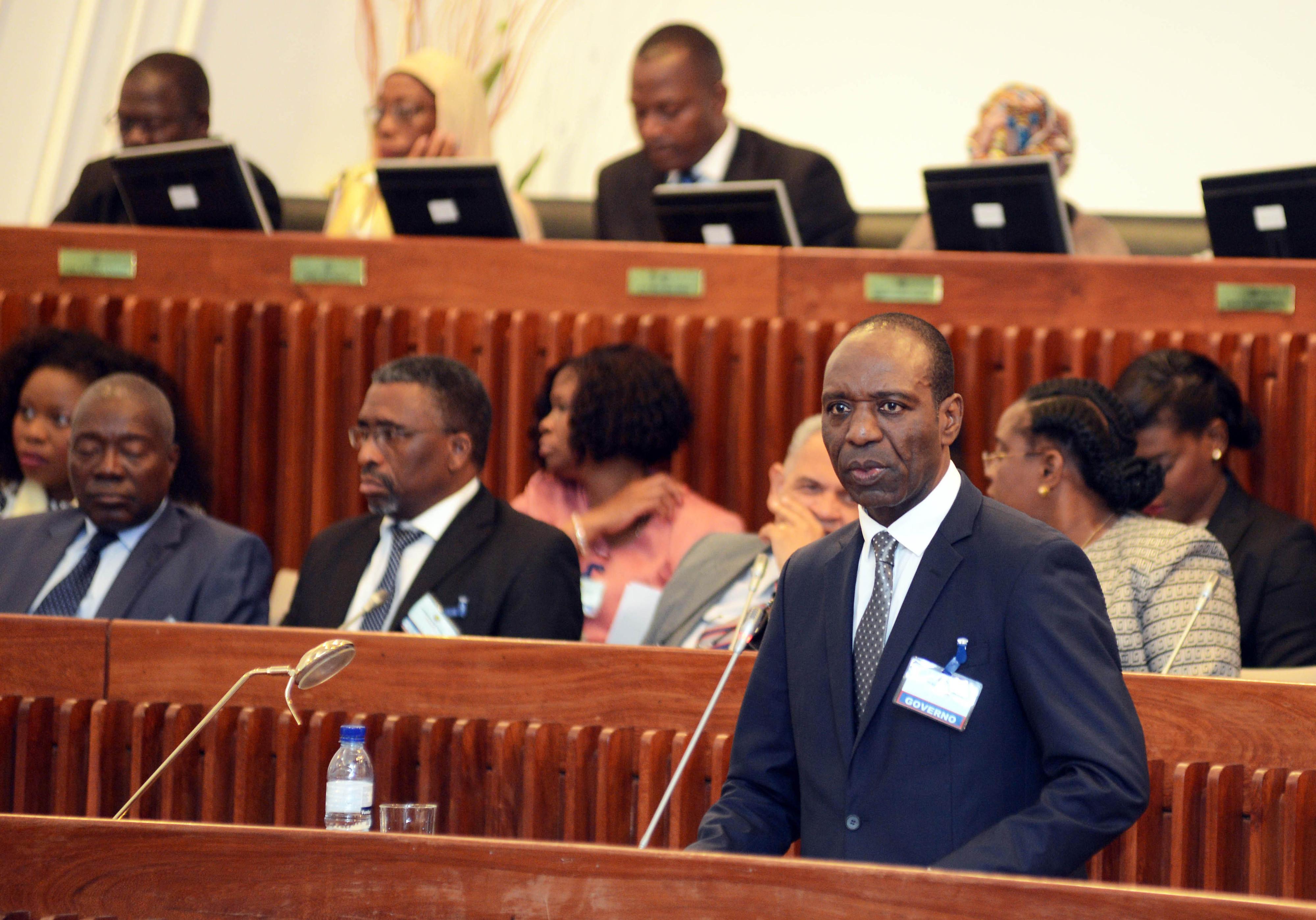 Governo moçambicano anuncia concurso para auditoria independente à dívida pública