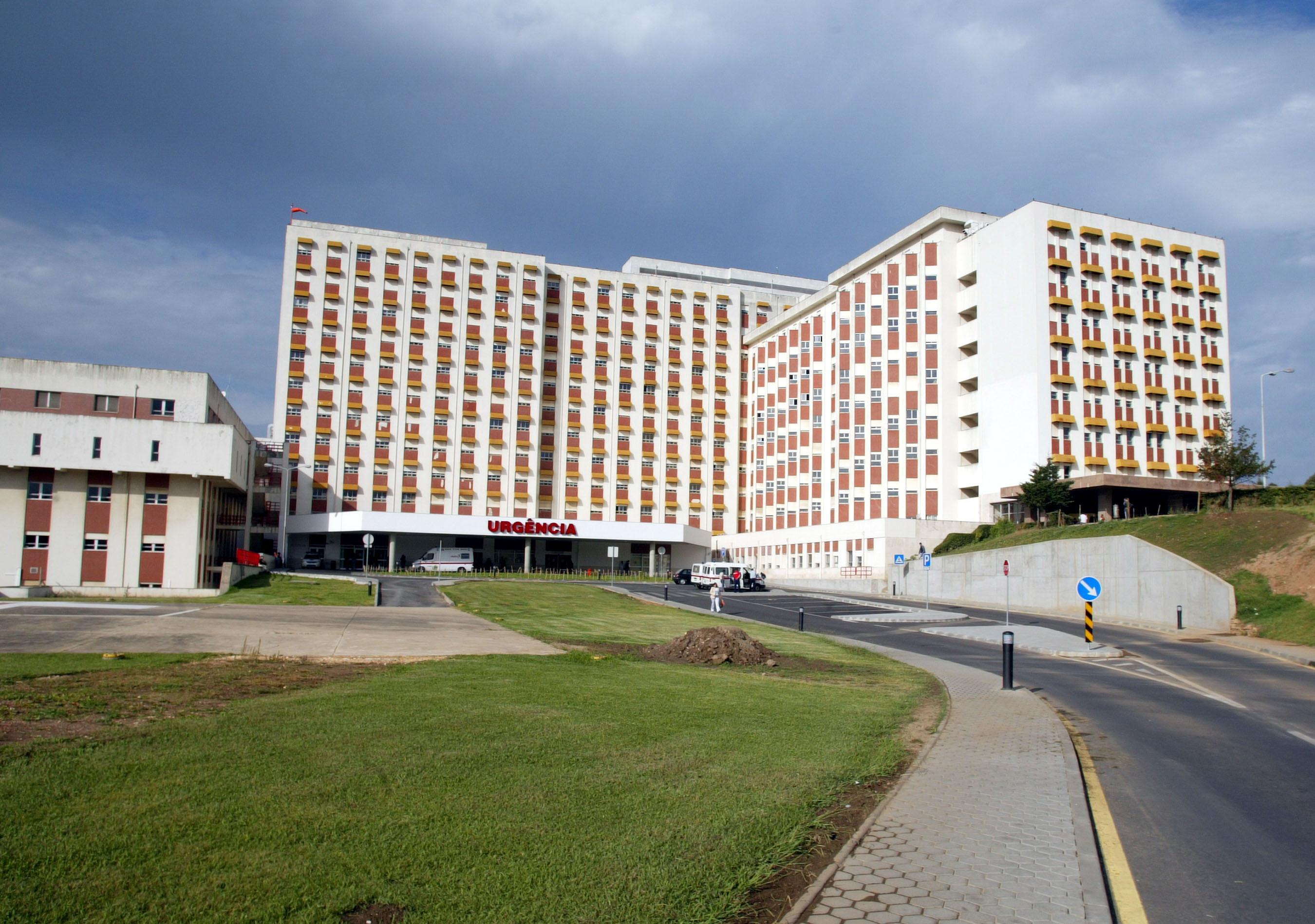 Estacionar nos Hospitais de Coimbra vai deixar de ser um pesadelo. Silo-auto pronto em 2018