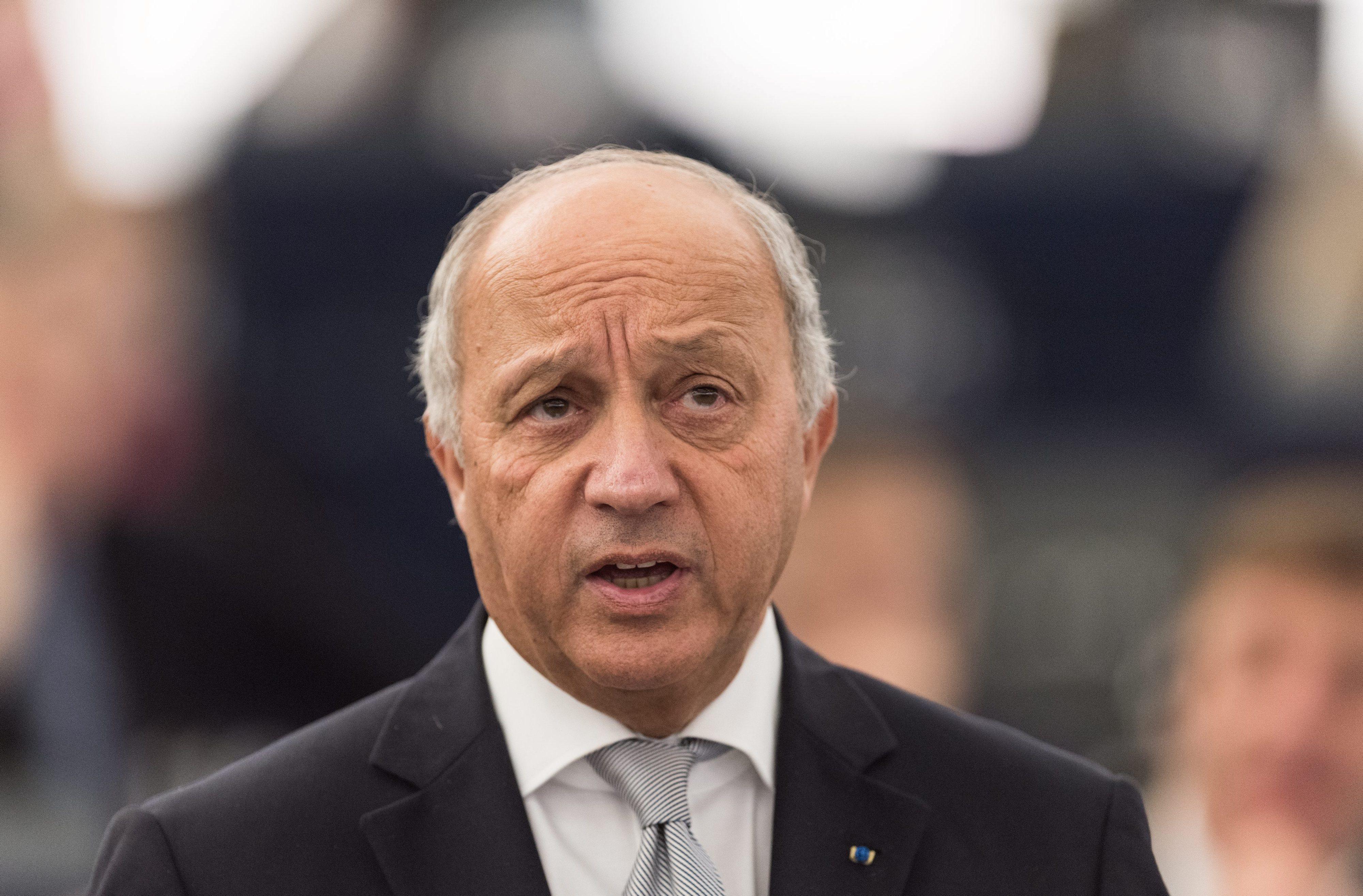 Chefe da diplomacia de França, Laurent Fabius, anuncia demissão