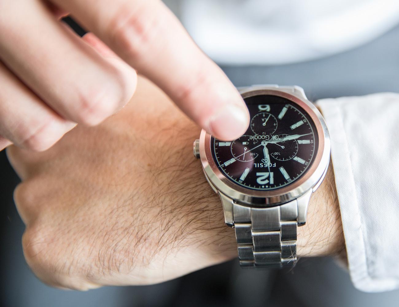 Fossil com 300 novos smartwatches em 2017