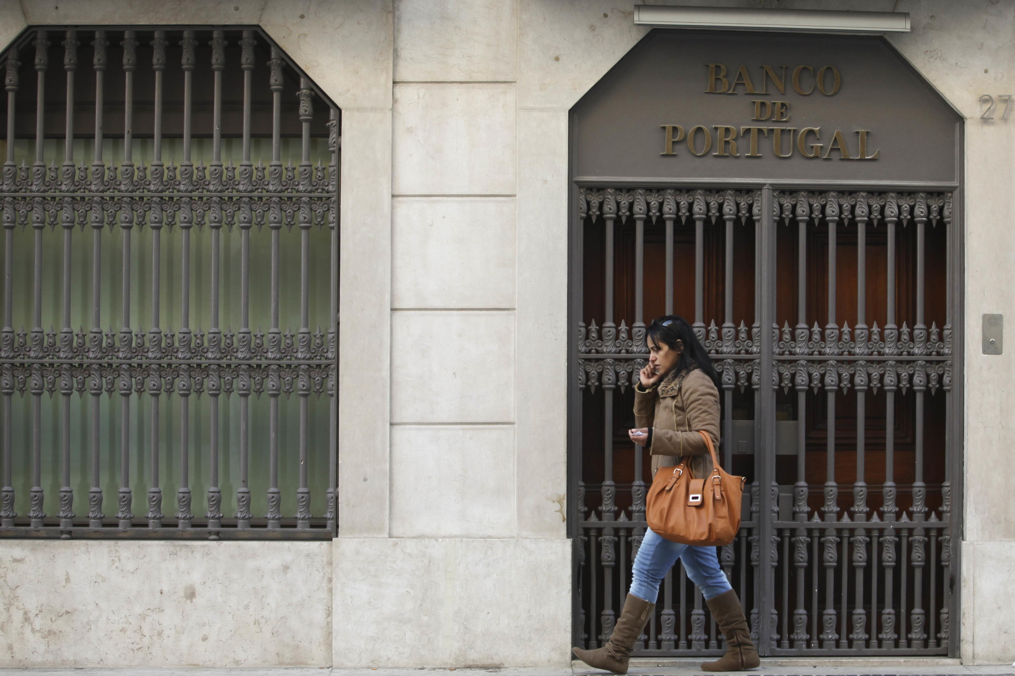 Valor dos novos créditos ao consumo cai 8,7% em abril em termos homólogos - BdP