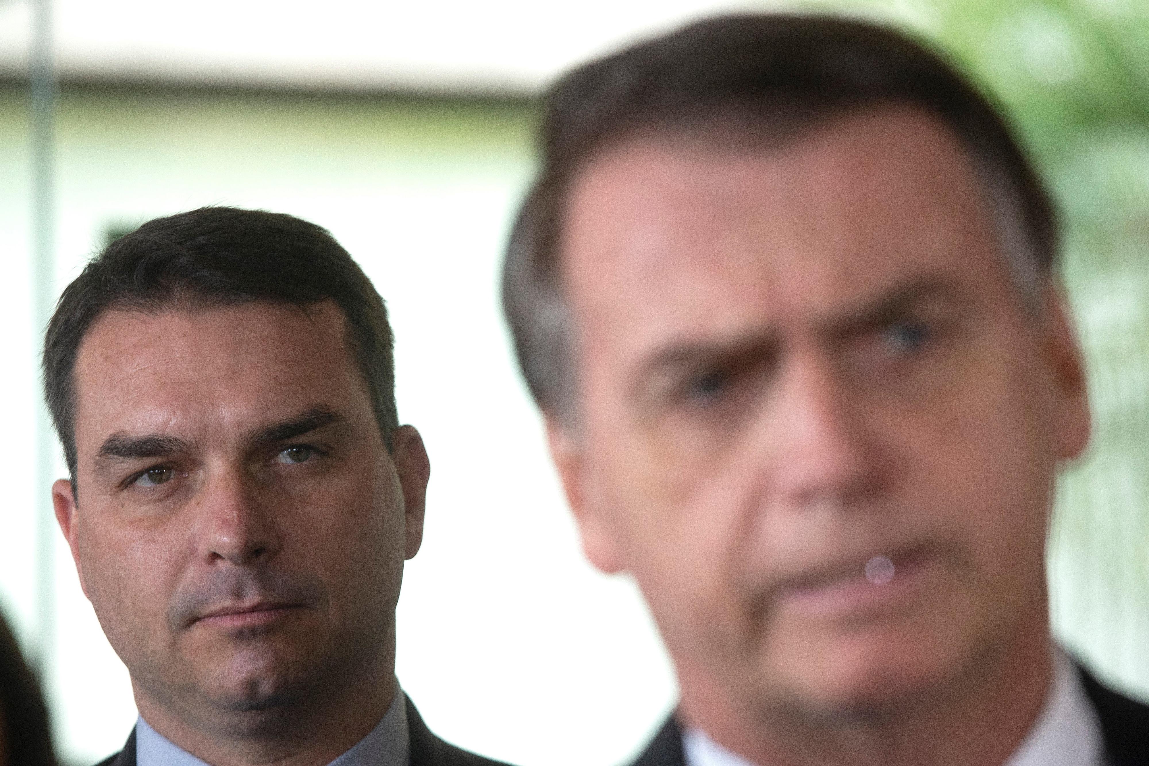 """MP do Rio de Janeiro defende """"foro especial"""" para filho de Bolsonaro em investigação"""